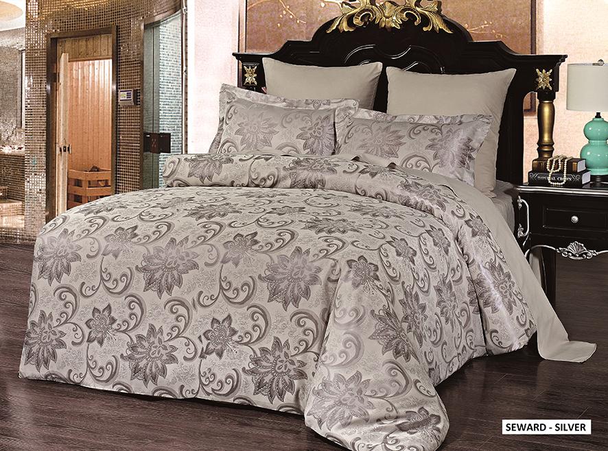 Комплект белья Arya Seward, 1,5-спальный, наволочки 50x70, 70x70, цвет: серебристыйTR85642001Роскошный комплект постельного белья Arya Seward состоит из пододеяльника, простыни и двух наволочек, выполненных из микрофибры. Постельное белье из микрофибры - это вариант для практичных и экономных хозяек. Ткань производится из тончайших волокон, поэтому она такая мягкая и приятная на ощупь. Микрофибра не впитывает влагу, а пропускает ее через себя и выводит наружу, поэтому очень быстро сохнет. Постельное белье из микрофибры приято на ощупь и почти не электризуется. При правильном уходе такое белье не выцветет и не полиняет после множества стирок. Благодаря такому комплекту постельного белья вы создадите неповторимую атмосферу в вашей спальне.