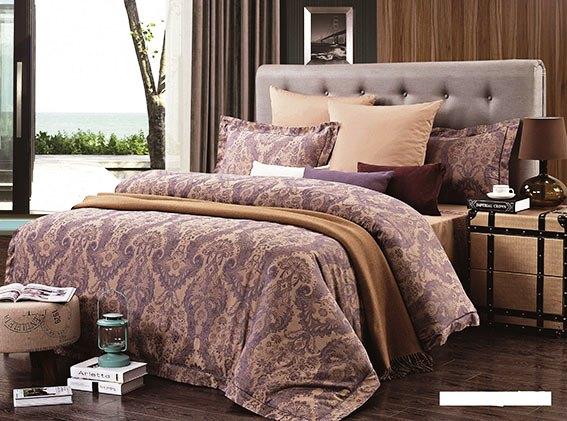 Комплект белья Arya Jessen, 2-спальный, наволочки 50x70, цвет: фиолетовый, коричневыйTR0000282Роскошный комплект постельного белья Arya Jessen состоит из пододеяльника, простыни и четырех наволочек, выполненных из жаккарда и сатина. Жаккард - это ткань с уникальным рисунком, который создают на специальном станке. Из-за сложного плетения эта ткань довольно жесткая, поэтому используют ее только для верхней стороны пододеяльника и наволочек. В сатине высокой плотности нити очень сильно скручены, поэтому ткань гладкая и немного блестит. Комплект из плотного сатина прослужит дольше любого другого хлопкового белья. Благодаря такому комплекту постельного белья вы создадите неповторимую атмосферу в вашей спальне.
