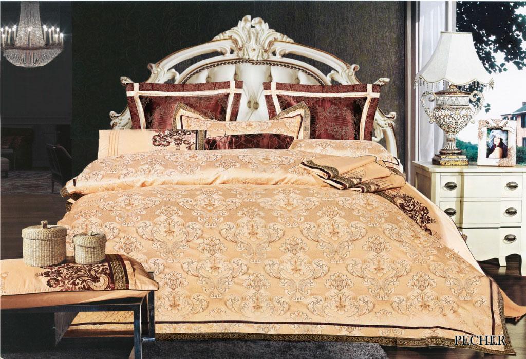 Комплект белья Arya Pecher, 2-х спальный, наволочки 50x70, 70x70, цвет: золотойTR1001087Комплект постельного белья линии Броде Жаккард изготовлен из хлопкового жаккарда с нежным тонким гипюром высокого качества. Жаккард – это ткань с уникальным рисунком, который создают на специальном станке. Из-за сложного плетения эта ткань довольно жесткая, поэтому используют ее только для верхней стороны пододеяльника и наволочек. Хлопковый жаккард соединяет в себе все плюсы натуральной ткани и сложного плетения: хорошо впитывает влагу, дышит, долговечен и прочнее любой ткани, кроме натурального шелка. В сатине высокой плотности нити очень сильно скручены, поэтому ткань гладкая и немного блестит. Комплект из плотного сатина прослужит дольше любого другого хлопкового белья. Благодаря диагональному пересечению нитей, он почти не мнется, и по гладкости и мягкости уступает лишь атласным тканям. Гипюром называется кружевное полотно, состоящее из фрагментов, сплетенных на коклюшках или сшитых иглой. Фрагменты соединяются тонкими связками. Гипюр производится из наитончайших шелковых или...