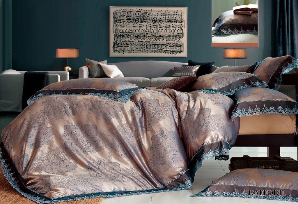 Комплект белья Arya Daffodil, 2-х спальный, наволочки 50x70, 70x70, цвет: синийTR1001088Комплект постельного белья линии Броде Жаккард изготовлен из хлопкового жаккарда с нежным тонким гипюром высокого качества. Жаккард – это ткань с уникальным рисунком, который создают на специальном станке. Из-за сложного плетения эта ткань довольно жесткая, поэтому используют ее только для верхней стороны пододеяльника и наволочек. Хлопковый жаккард соединяет в себе все плюсы натуральной ткани и сложного плетения: хорошо впитывает влагу, дышит, долговечен и прочнее любой ткани, кроме натурального шелка. В сатине высокой плотности нити очень сильно скручены, поэтому ткань гладкая и немного блестит. Комплект из плотного сатина прослужит дольше любого другого хлопкового белья. Благодаря диагональному пересечению нитей, он почти не мнется, и по гладкости и мягкости уступает лишь атласным тканям. Гипюром называется кружевное полотно, состоящее из фрагментов, сплетенных на коклюшках или сшитых иглой. Фрагменты соединяются тонкими связками. Гипюр производится из наитончайших шелковых или...