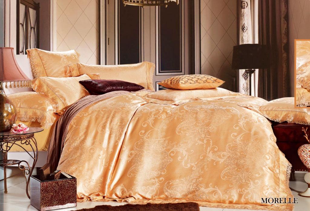 Комплект белья Arya Morelle, 2-спальный, наволочки 50x70, 70x70, цвет: светло-бежевыйTR1001092Роскошный комплект постельного белья Arya Morelle состоит из пододеяльника, простыни и четырех наволочек, выполненных из жаккарда и сатина с нежным тонким гипюром высокого качества. Жаккард - это ткань с уникальным рисунком, который создают на специальном станке. Из-за сложного плетения эта ткань довольно жесткая, поэтому используют ее только для верхней стороны пододеяльника и наволочек. В сатине высокой плотности нити очень сильно скручены, поэтому ткань гладкая и немного блестит. Комплект из плотного сатина прослужит дольше любого другого хлопкового белья. Гипюром называется кружевное полотно, состоящее из фрагментов, сплетенных на коклюшках или сшитых иглой. Фрагменты соединяются тонкими связками. Гипюр производится из наитончайших шелковых или хлопчатобумажных нитей. На данный момент гипюр делают машинным способом. Благодаря такому комплекту постельного белья вы создадите неповторимую атмосферу в вашей спальне.