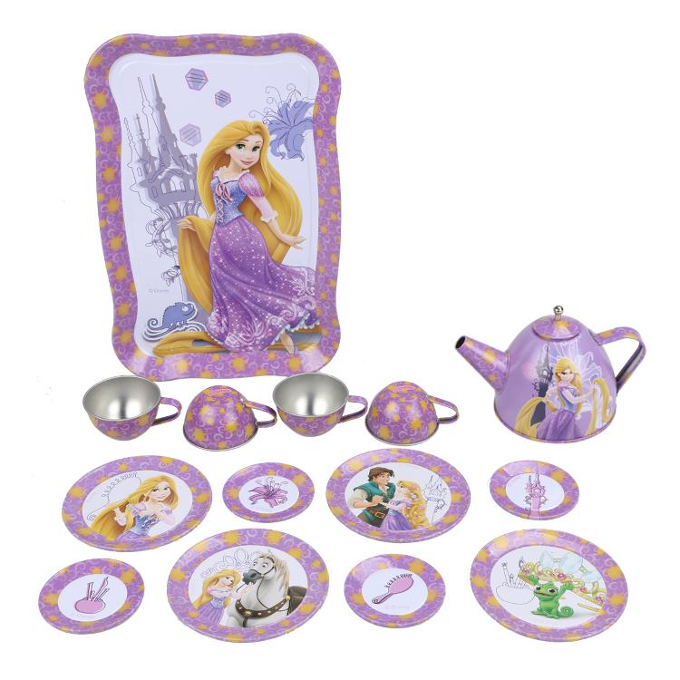 Disney Игровой набор детской посуды Принцесса РапунцельDSN0201-008Главной особенностью набора является фирменное и красочное оформление, выполненное совместно с компанией Disney. Каждый элемент тщательно проработан и детализирован – от упаковки до самого маленького блюдца. Материал посуды – прочный, легкий металл, который не разобьется во время игры. В набор чайной посуды Рапунцель входит 15 предметов: - 1 поднос - 8 блюдец разного размера - 4 чашки - 1 чайник с крышкой
