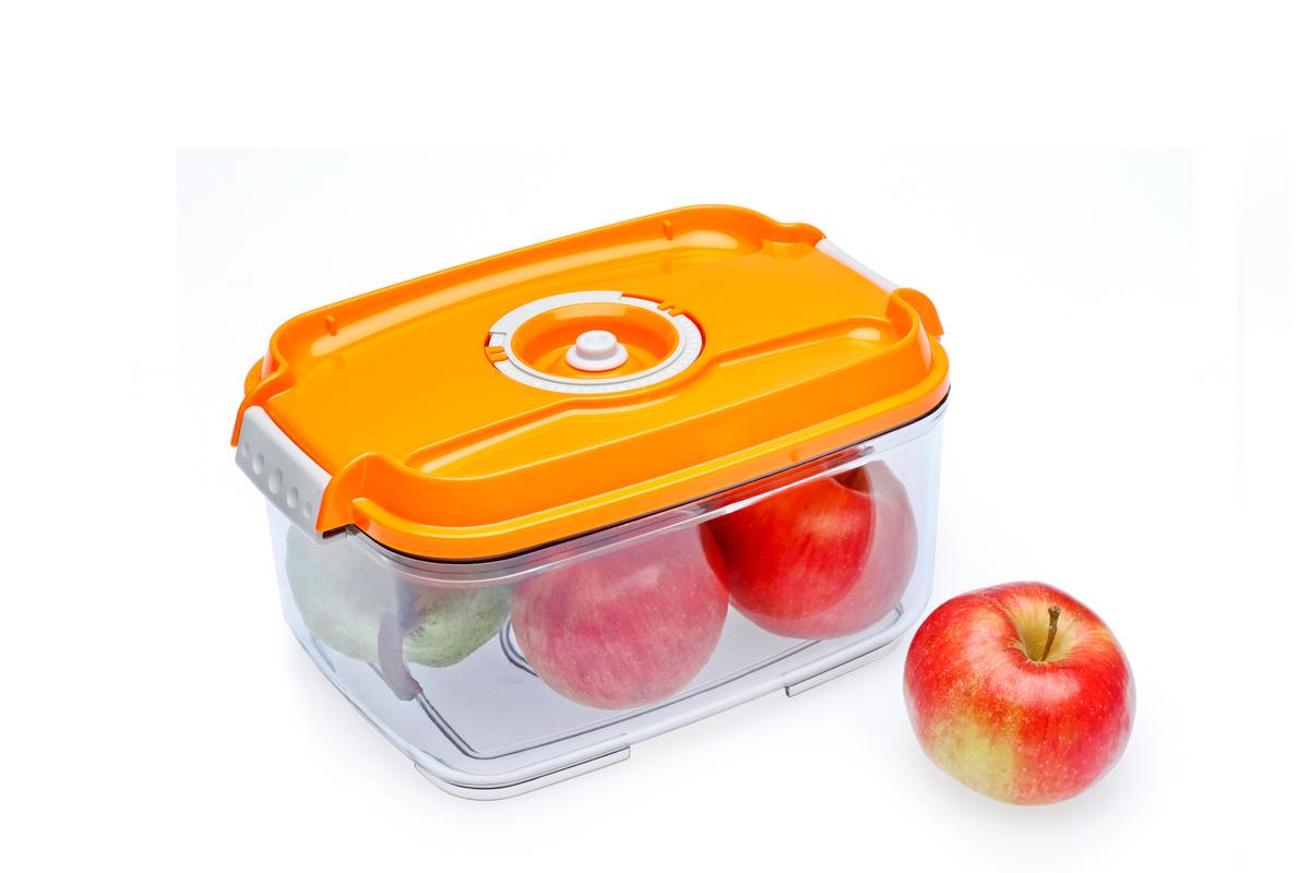 Контейнер вакуумный Status, цвет: прозрачный, оранжевый, 2 л. VAC-REC-20VAC-REC-20 OrangeБлагодаря использованию вакуумных контейнеров, продукты не подвергаются внешнему воздействию, и срок хранения значительно увеличивается. Продукты сохраняют свои вкусовые качества и аромат, а запахи в холодильнике не перемешиваются. Контейнер для хранения продуктов в вакууме Прочный хрустально-прозрачный тритан Прямоугольная форма Объем 2,0 литра Индикатор даты (месяц, число) BPA-Free Размер: 22,5 x 15,5 x 11,5 см Сделано в Словении Допускается замораживание (до -21 °C), мойка контейнера в посудомоечной машине, разогрев в СВЧ (без крышки). Рекомендовано хранение следующих продуктов: фрукты, овощи, хлеб, макаронные изделия и крупы, колбасы, сыры. Вакуумный контейнер объёмом 2,0 л может устойчиво храниться сверху на вакуумном контейнере 1,4 л.