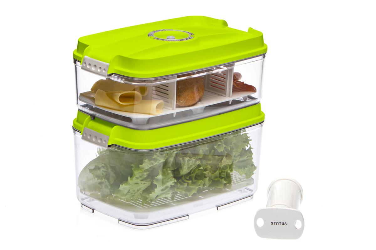 Набор вакуумных контейнеров Status, цвет: прозрачный, зеленый, 2 шт, + ПОДАРОК: вакуумный насос Status. VAC-REC-Bigger WhiteVAC-REC-Bigger GreenНабор вакуумных контейнеров Status рекомендован для хранения следующих продуктов: фрукты, овощи, хлеб, колбасы, сыры, сладости, соусы, супы. Благодаря использованию вакуумных контейнеров, продукты не подвергаются внешнему воздействию и срок хранения значительно увеличивается. Продукты сохраняют свои вкусовые качества и аромат, а запахи в холодильнике не перемешиваются. Контейнеры изготовлены из прочного хрустально-прозрачного тритана. На крышке - индикатор даты (месяц, число). Допускается замораживание (до -21 °C), мойка контейнера в посудомоечной машине, разогрев в СВЧ (без крышки). Объем контейнеров: 3; 4,5 л. Вакуумный насос Status станет отличным дополнением к набору аксессуаров и принадлежностей для кухни. Прибор практичен и удобен в использовании, помогает сохранить свежесть продуктов и увеличить их срок хранения. Такой эффект достигается путем создания внутри контейнеров вакуума, который приостанавливает размножение в продуктах бактерий и...