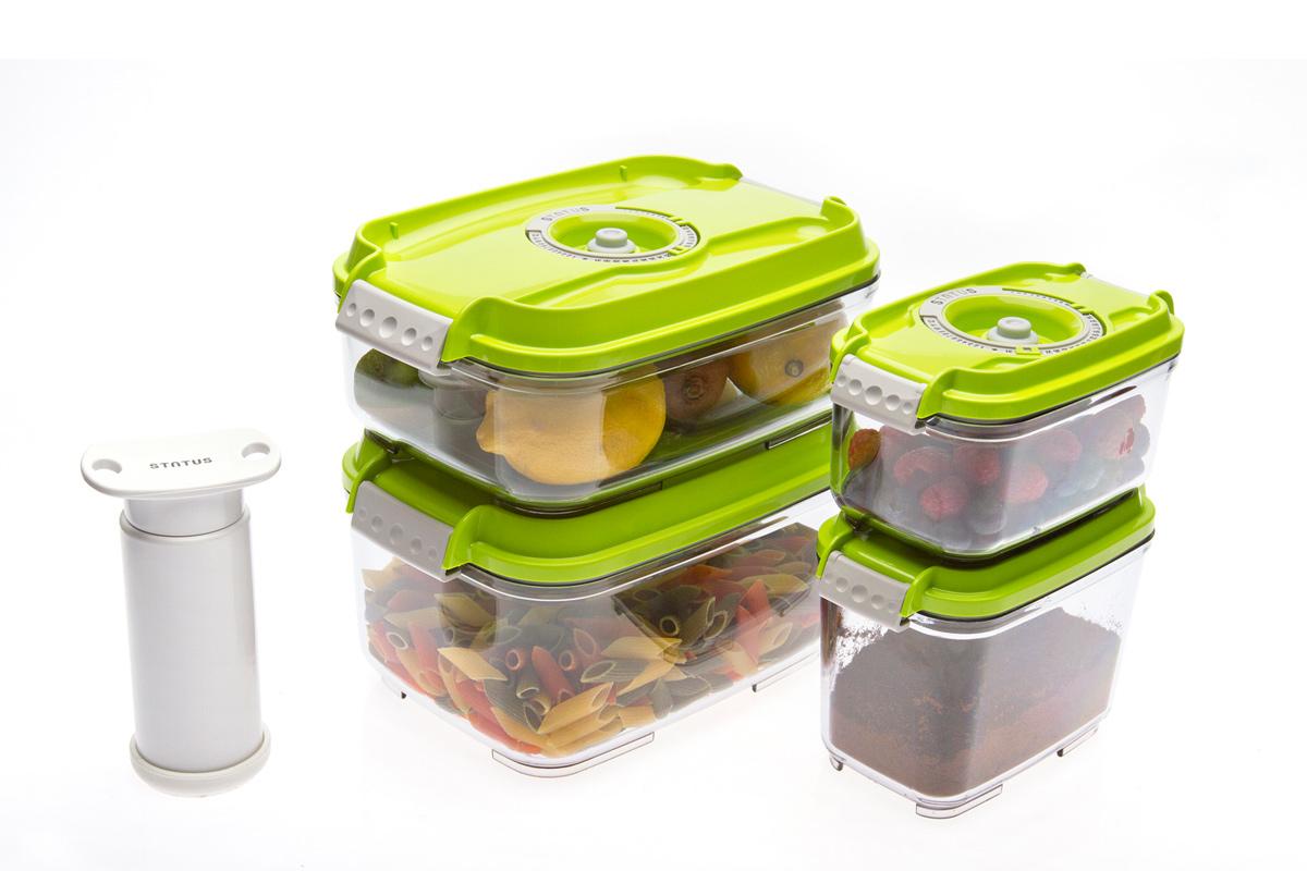Набор вакуумных контейнеров Status, цвет: прозрачный, зеленый, 4 шт, + ПОДАРОК: вакуумный насос StatusVAC-REC-Smaller GreenНабор вакуумных контейнеров Status рекомендован для хранения следующих продуктов: фрукты, овощи, хлеб, колбасы, сыры, сладости, соусы, супы. Благодаря использованию вакуумных контейнеров, продукты не подвергаются внешнему воздействию и срок хранения значительно увеличивается. Продукты сохраняют свои вкусовые качества и аромат, а запахи в холодильнике не перемешиваются. Контейнеры изготовлены из прочного хрустально-прозрачного тритана. На крышке - индикатор даты (месяц, число). Допускается замораживание (до -21 °C), мойка контейнера в посудомоечной машине, разогрев в СВЧ (без крышки). Объем контейнеров: 0,5; 0,8; 1,4; 2,0 л. Вакуумный насос Status станет отличным дополнением к набору аксессуаров и принадлежностей для кухни. Прибор практичен и удобен в использовании, помогает сохранить свежесть продуктов и увеличить их срок хранения. Такой эффект достигается путем создания внутри контейнеров вакуума, который приостанавливает размножение в продуктах...
