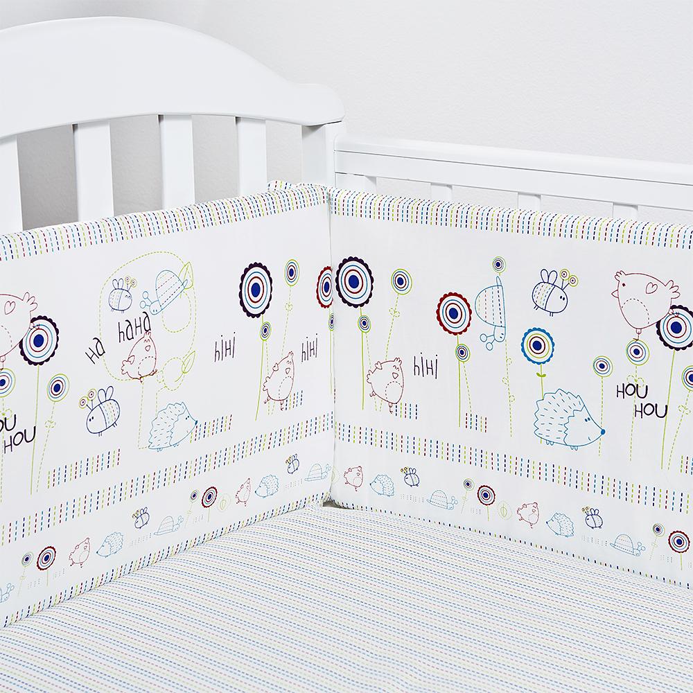 Baby Nice Бортик для кровати Ежик цвет белыйB79067Борт в кроватку (его ещё называют бампер) является отличной защитой малыша от сквозняков и ударов при поворотах в кроватке. Ткань верха: 100% хлопок, наполнитель: экологически чистый нетканый материал для мягкой мебели - периотек. Дизайны бортов сочетаются с дизайнами постельного белья, так что, можно самостоятельно сделать полный комплект, идеальный для сна. Борта в кроватку - мягкие удобные долговечные: надежная и эстетичная защита вашего ребенка! 4-е стороны: 2 шт.: 120 х 35 см.; 2 шт.: 60 х 35 см.