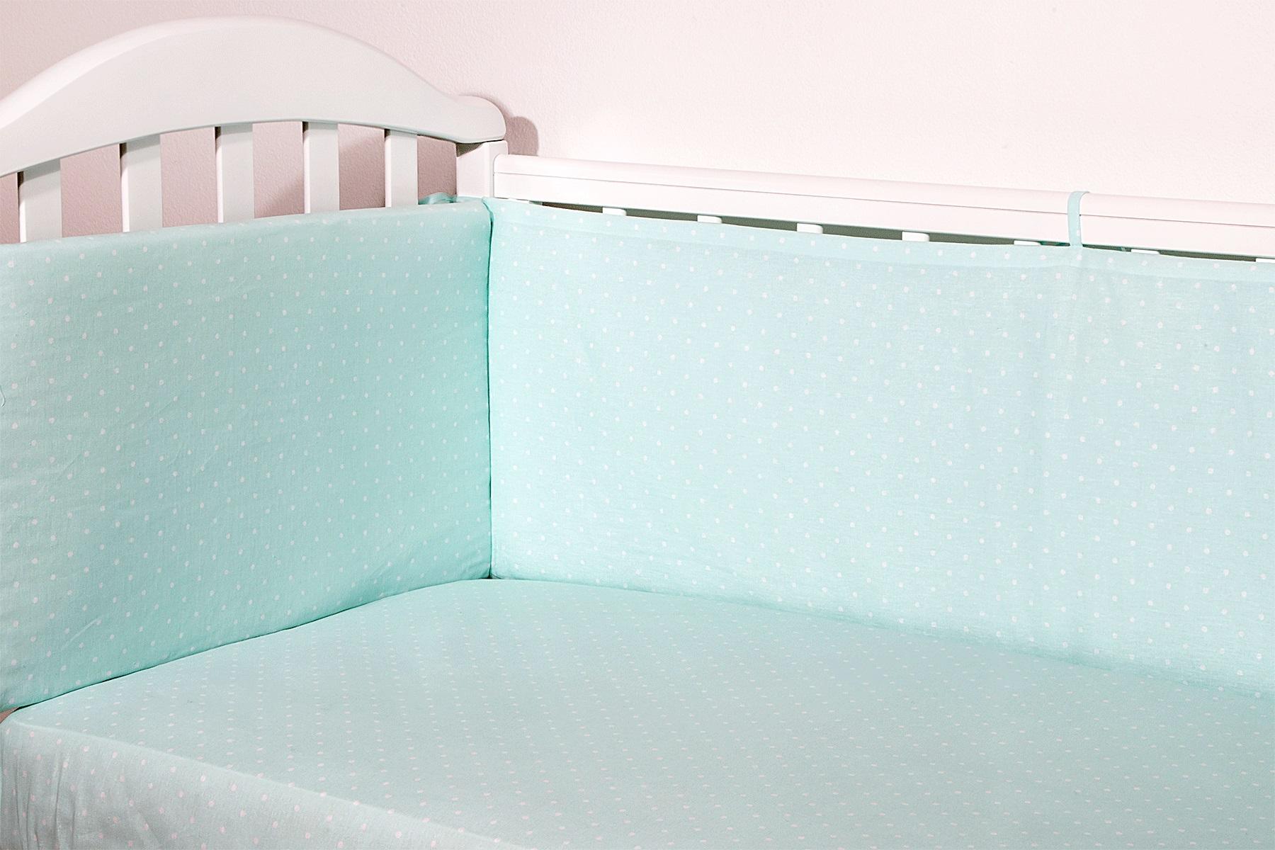 Baby Nice Бортик для кровати Горох цвет светло-зеленыйS6012702Борт в кроватку (его ещё называют бампер) является отличной защитой малыша от сквозняков и ударов при поворотах в кроватке. Ткань верха: 100% хлопок, наполнитель: экологически чистый нетканый материал для мягкой мебели - периотек. Дизайны бортов сочетаются с дизайнами постельного белья, так что, можно самостоятельно сделать полный комплект, идеальный для сна. Борта в кроватку - мягкие удобные долговечные: надежная и эстетичная защита вашего ребенка! 4-е стороны: 2 шт: 120 х 35 см.; 2 шт.: 60 х 35 см.