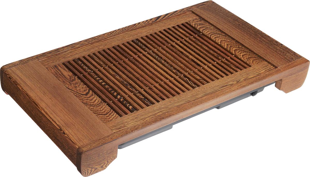 Доска чайная Samadoyo МО-2302190Чайная доска Samadoyo МО-23 является неотъемлемой частью китайской чайной церемонии. Именно на ней раскладывается вся необходимая посуда и аксессуары. Изделие оснащено функцией автоматического слива. Для изготовления чайной доски была использована древесина дерева Венге. Оно поставляется из субтропиков Африки и Южной Азии. Эта порода дерева своим китайским названием обязана красивой, отчетливой и плотной текстуре, напоминает поверхность куриного крыла. Этим рисунком Венге выгодно отличается от красного дерева, у которого практически не видно годовых колец.