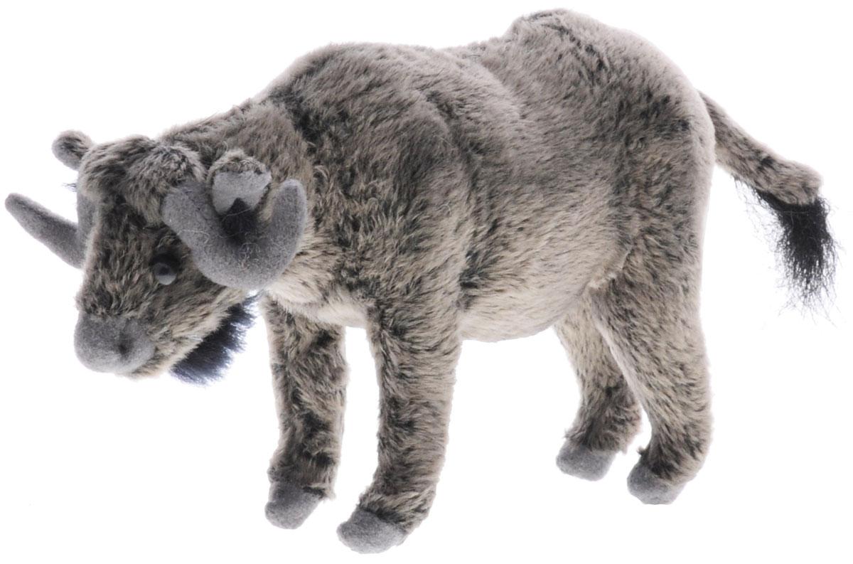 Hansa Toys Мягкая игрушка Буйвол 16 см5418Буйвол - вид быков, широко распространенный в Африке. Будучи типичным представителем подсемейства быков, африканский буйвол, однако, весьма своеобразен и выделяется в отдельный род с единственным видом. Это крупнейший из современных быков. Вес взрослых самцов крупных подвидов иногда доходит до 900-1000 кг, а экземпляры весом 700 кг - не редкость. Изредка встречаются старые быки весом до 1200 кг. Высота в холке у взрослых самцов - до 1,8 м, чаще 1,5-1,6 м, при длине тела 3-3,4 м. При этом некоторые подвиды африканского буйвола значительно меньше по размерам. Кроме того, лесные буйволы значительно меньше обитающих в саванне. Популяция буйволов в Африке сохранилась, по сравнению с поголовьем других крупных животных континента, достаточно хорошо, хотя испытывает сильное давление со стороны человека. Мягкая игрушка Hansa Toys Буйвол обязательно понравится вам и вашему малышу и познакомит вас с этим удивительным животным.