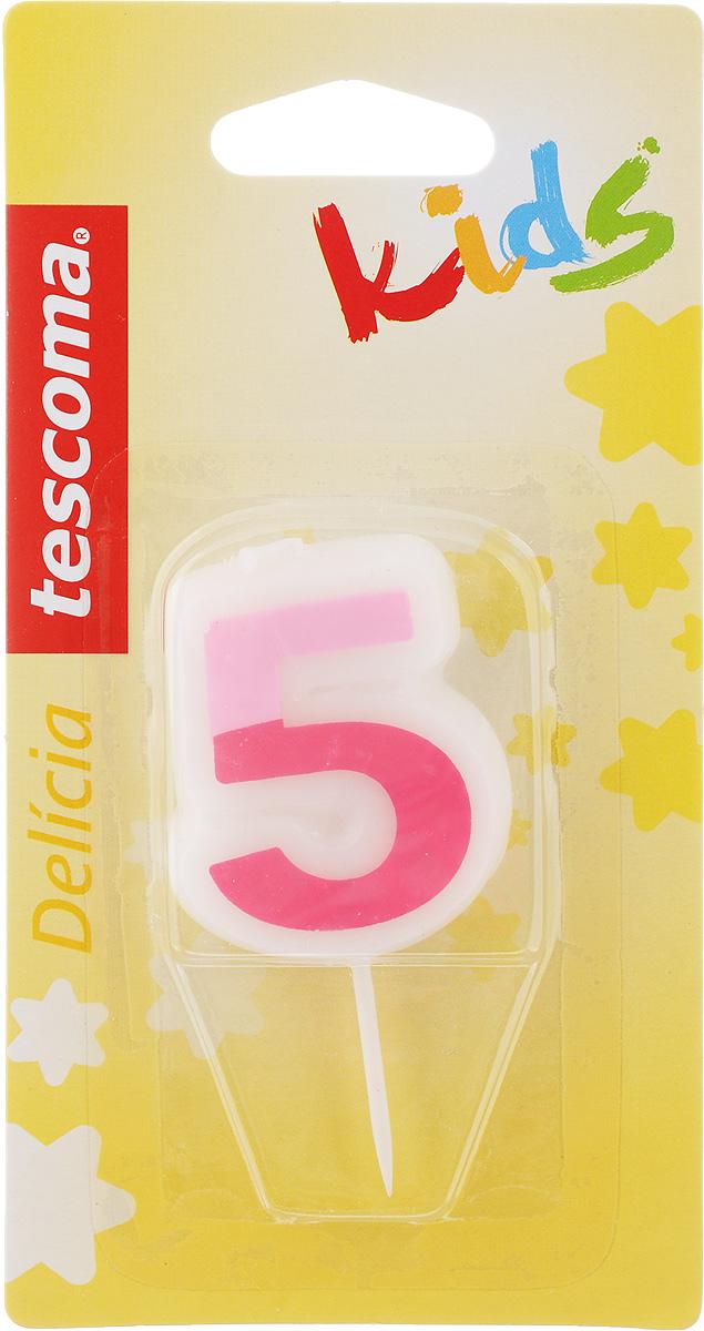 Свеча для торта Tescoma Delicia Kids, пятерка, цвет: белый, розовый630975Свеча для торта Tescoma Delicia Kids изготовлена из высококачественного парафина, фитиль - натуральное волокно. Это отличное решение для декорирования торта к празднику. Ее можно комбинировать с другими цифрами. Изделие хорошо и долго горит. С этой свечой ваш праздник станет еще удивительнее и веселее. Высота свечи (без учета иглы): 4,5 см. Ширина: 4 см.