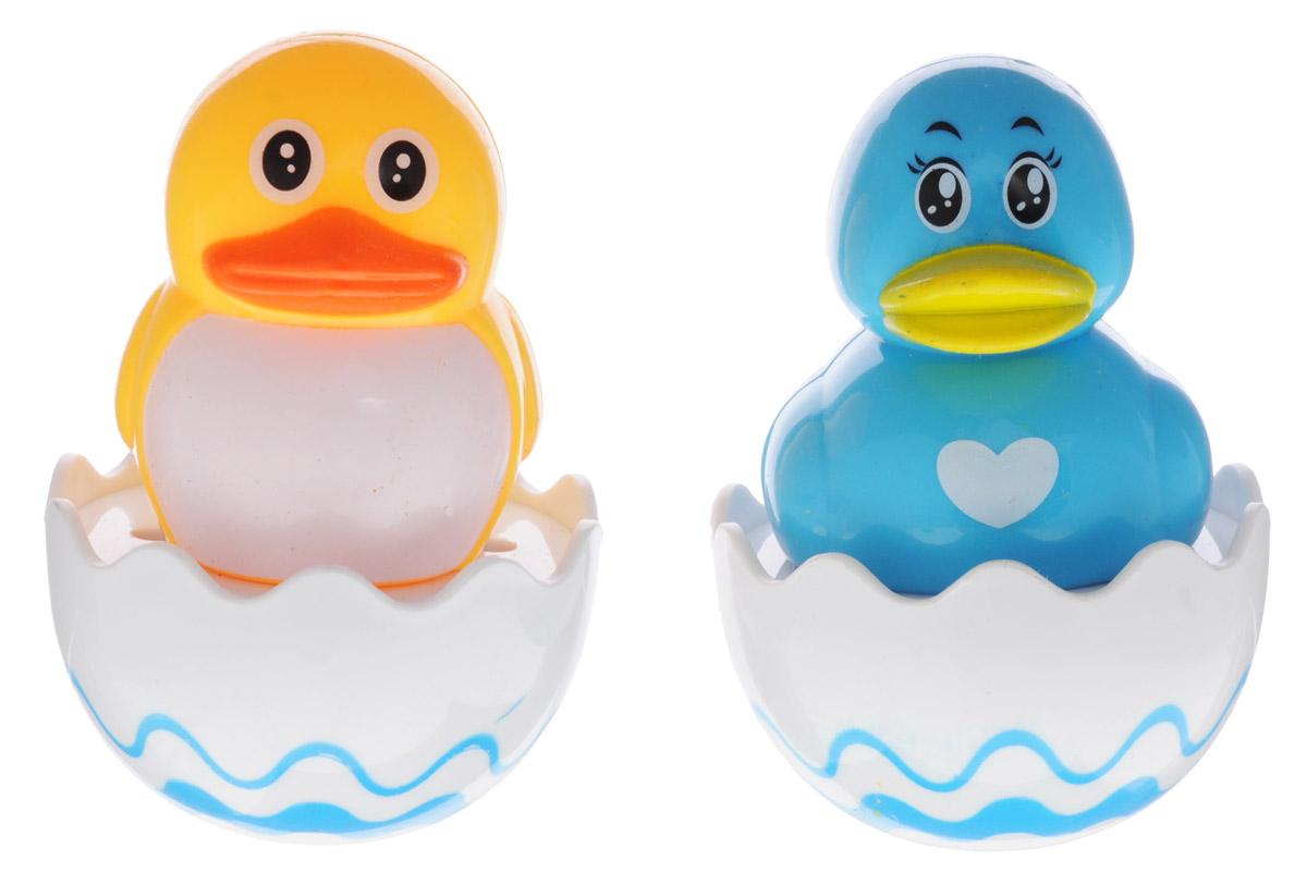 Shantou Набор игрушек для ванной АквариусT147-D3347С набором игрушек для ванной Shantou Аквариус принимать водные процедуры станет еще веселее и приятнее. Набор состоит из уточки и цыпленка, сидящих в скорлупке. Размер игрушек удобен для маленьких детских ручек. В игрушки встроена погремушка, что, несомненно, порадует малыша и поможет ему преодолеть страх перед купанием. Игрушки для ванной способствуют развитию воображения, цветового восприятия, тактильных ощущений и мелкой моторики рук.