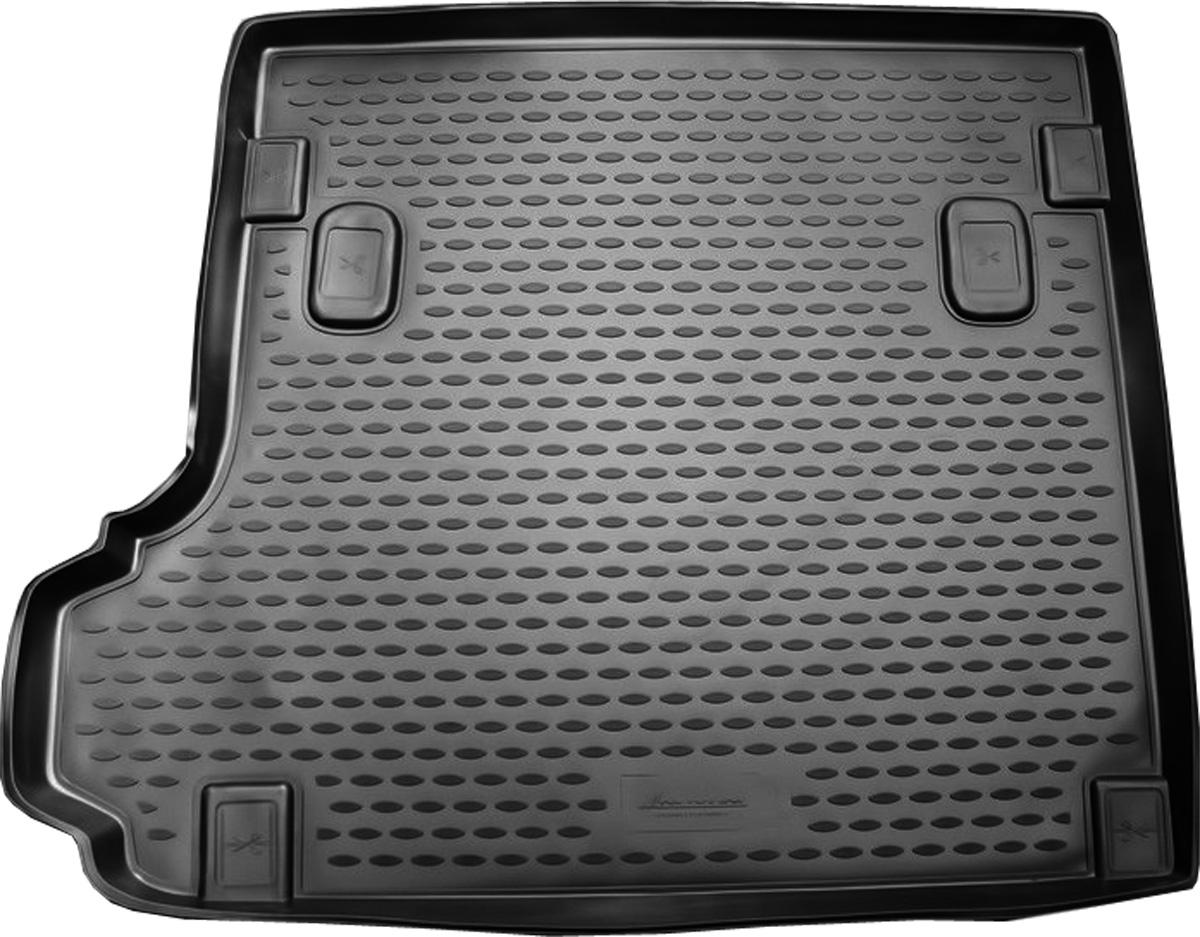 Коврик в багажник BMW X3 2008->, кросс. (полиуретан)NLC.05.16.B12Автомобильный коврик в багажник позволит вам без особых усилий содержать в чистоте багажный отсек вашего авто и при этом перевозить в нем абсолютно любые грузы. Этот модельный коврик идеально подойдет по размерам багажнику вашего авто. Такой автомобильный коврик гарантированно защитит багажник вашего автомобиля от грязи, мусора и пыли, которые постоянно скапливаются в этом отсеке. А кроме того, поддон не пропускает влагу. Все это надолго убережет важную часть кузова от износа. Коврик в багажнике сильно упростит для вас уборку. Согласитесь, гораздо проще достать и почистить один коврик, нежели весь багажный отсек. Тем более, что поддон достаточно просто вынимается и вставляется обратно. Мыть коврик для багажника из полиуретана можно любыми чистящими средствами или просто водой. При этом много времени у вас уборка не отнимет, ведь полиуретан устойчив к загрязнениям. Если вам приходится перевозить в багажнике тяжелые грузы, за сохранность автоковрика можете не беспокоиться. Он сделан...