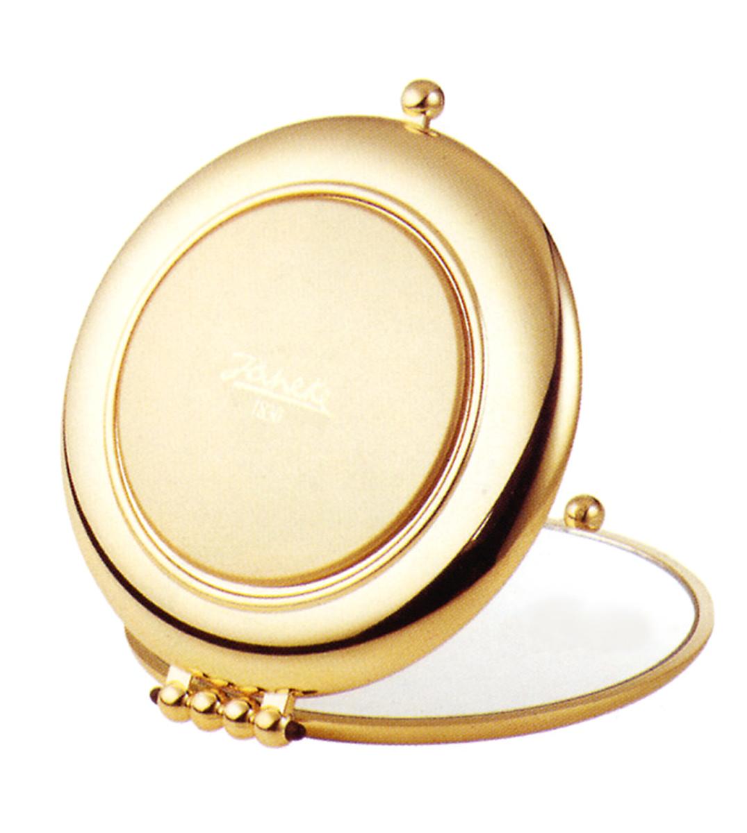 Janeke Зеркало карманое, линзы ZEISS, позолоченное D90, AU453.3 CRN.566339Марка Janeke – мировой лидер по производству расчесок, щеток, маникюрных принадлежностей, зеркал и косметичек. Марка Janeke, основанная в 1830 году, вот уже почти 180 лет поддерживает непревзойденное качество своей продукции, сочетая новейшие технологии с традициями ста- рых миланских мастеров. Все изделия на 80% производятся вручную, а инновационные технологии и современные материалы делают продукцию марки поистине уникальной. Стильный и эргономичный дизайн, яркие цветовые решения – все это приносит истин- ное удовольствие от использования аксессуаров Janeke. Компактные зеркала Janeke имеют линзы с обычным и трехкратным увеличением, которые позволяют быстро и легко поправить макияж в дороге. А благодаря стильному дизайну и миниатюрному размеру компактное зеркало Janeke станет любимым аксессуаром любой женщины.