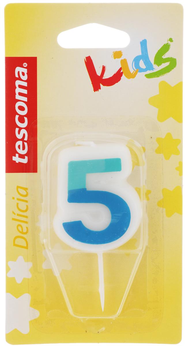 Свеча для торта Tescoma Delicia Kids, пятерка, цвет: белый, голубой630975_голубойСвеча для торта Tescoma Delicia Kids изготовлена из высококачественного парафина, фитиль - натуральное волокно. Это отличное решение для декорирования торта к празднику. Ее можно комбинировать с другими цифрами. Изделие хорошо и долго горит. С этой свечой ваш праздник станет еще удивительнее и веселее. Высота свечи (без учета иглы): 4,5 см.