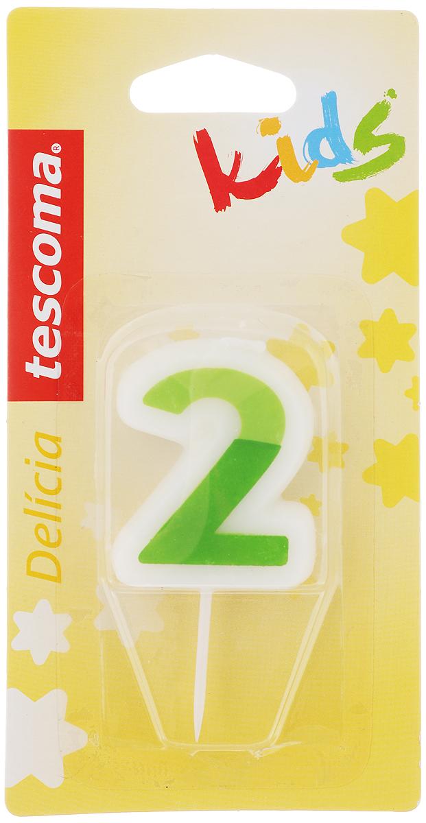 Свеча для торта Tescoma Delicia Kids, двойка, цвет: белый, зеленый630972_зеленыйСвеча для торта Tescoma Delicia Kids изготовлена из высококачественного парафина, фитиль - натуральное волокно. Это отличное решение для декорирования торта к празднику. Ее можно комбинировать с другими цифрами. Изделие хорошо и долго горит. С этой свечой ваш праздник станет еще удивительнее и веселее. Высота свечи (без учета иглы): 4,5 см.