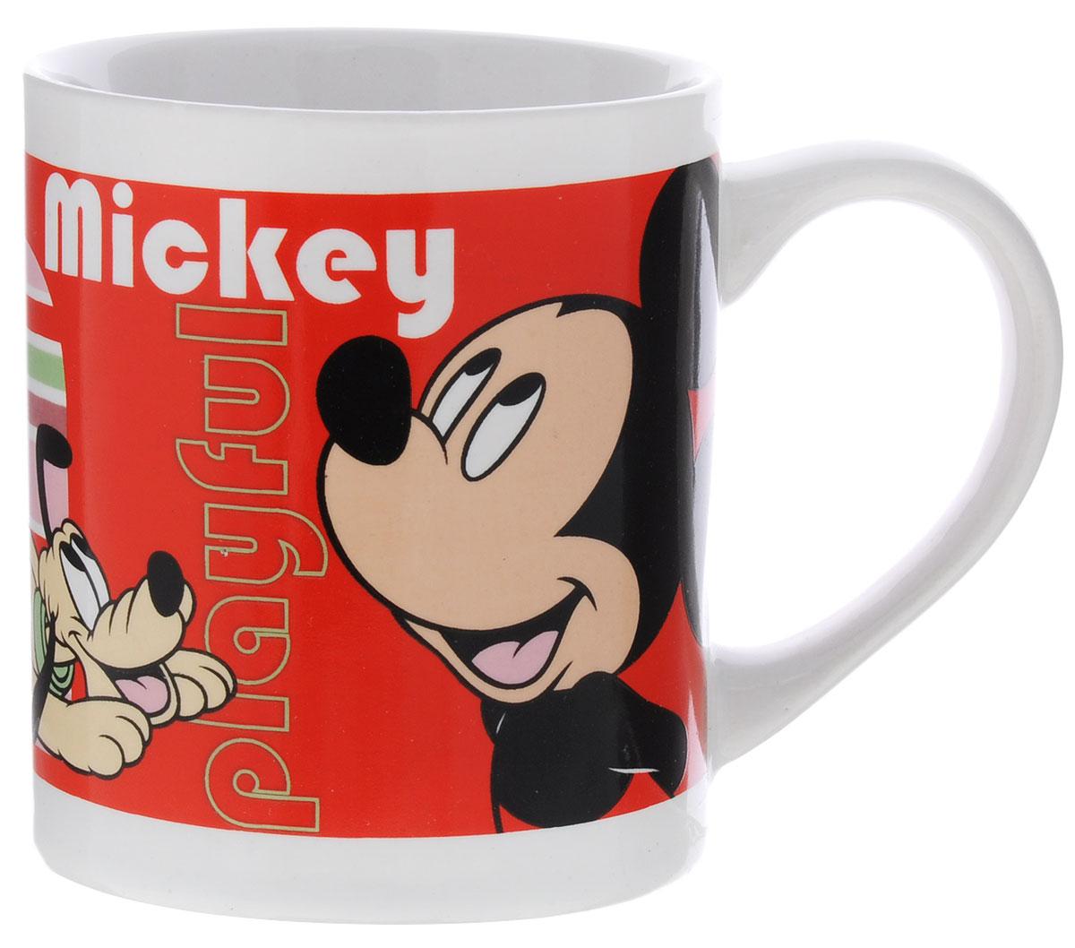 Stor Кружка детская Микки Маус 220 мл70188Детская кружка Stor Микки Маус из серии Stor Disney с любимым героем станет отличным подарком для вашего ребенка. Она выполнена из керамики и оформлена изображением Микки Мауса. Кружка дополнена удобной ручкой. Такой подарок станет не только приятным, но и практичным сувениром: кружка будет незаменимым атрибутом чаепития, а оригинальное оформление кружки добавит ярких эмоций и хорошего настроения. Можно использовать в СВЧ-печи и посудомоечной машине.