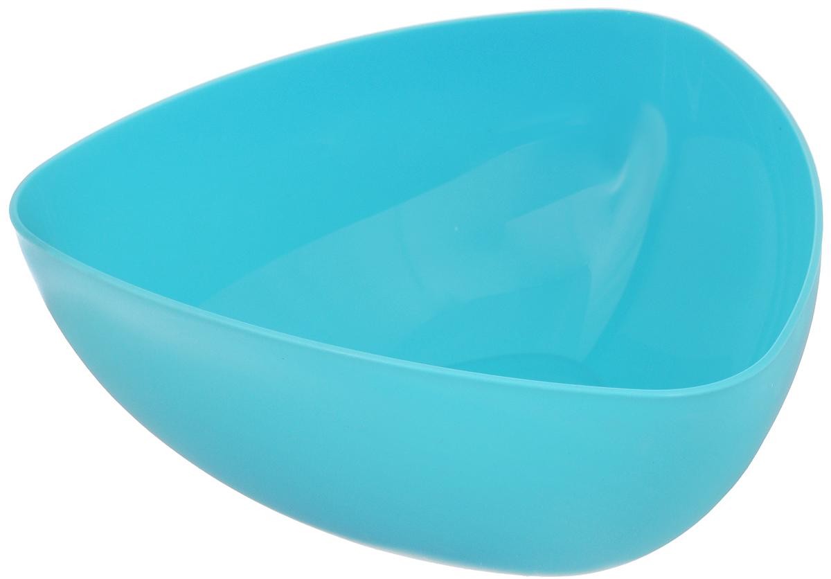 Салатник Ucsan, треугольный, цвет: голубой, 5 лM-748_голубойТреугольный салатник Ucsan изготовлен из полипропилена и идеально подходит для сервировки стола. Салатник Ucsan не только украсит ваш кухонный стол и подчеркнет прекрасный вкус хозяйки, но и станет отличным подарком. Размер салатника (по верхнему краю): 28 х 28 см. Объем салатника: 5 л.