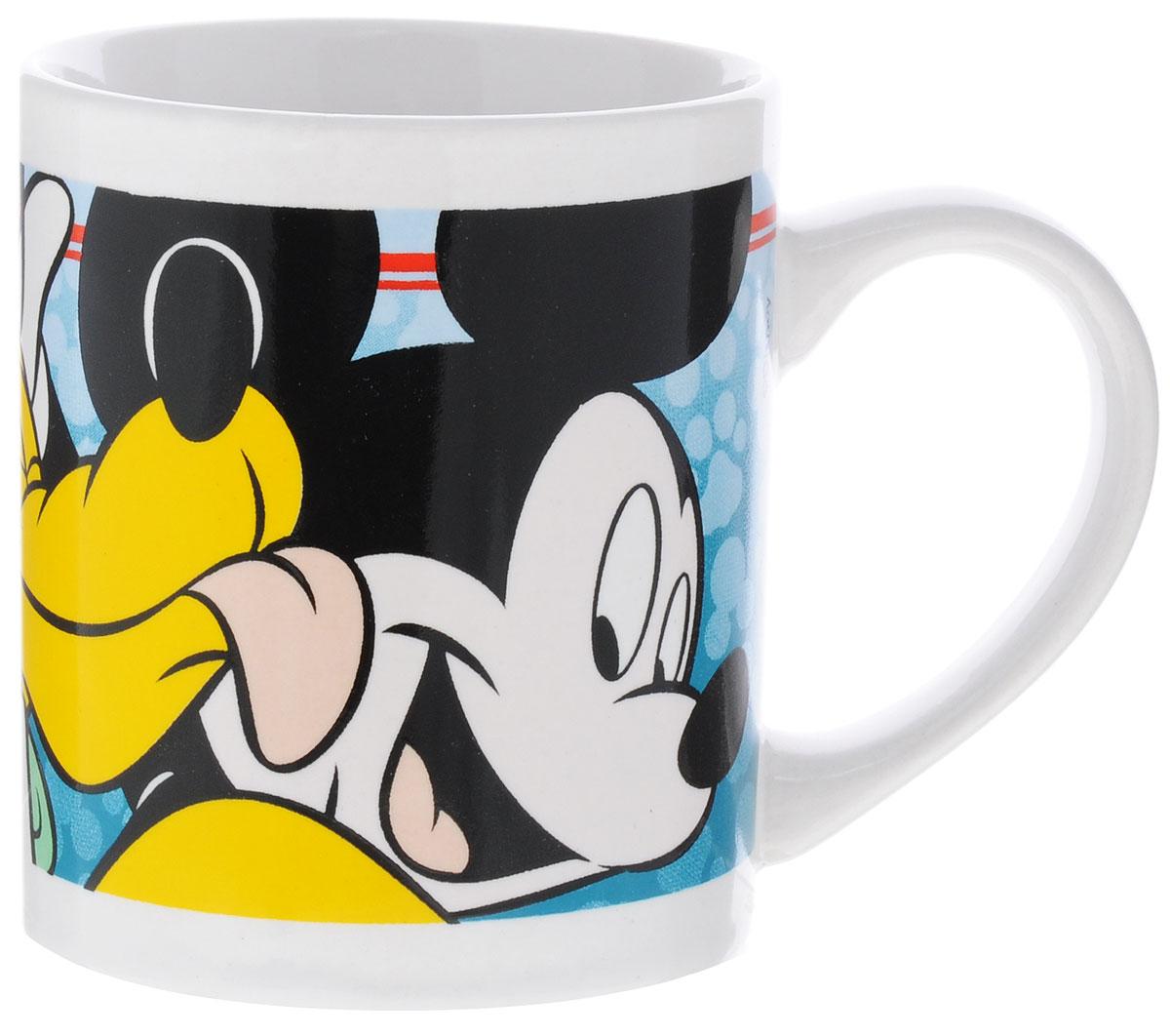 Stor Кружка детская Микки Маус и Плуто 220 мл70189Детская кружка Stor Микки Маус и Плуто из серии Stor Disney с любимыми героями станет отличным подарком для вашего ребенка. Она выполнена из керамики и оформлена изображением Микки Мауса и Плуто. Кружка дополнена удобной ручкой. Такой подарок станет не только приятным, но и практичным сувениром: кружка будет незаменимым атрибутом чаепития, а оригинальное оформление кружки добавит ярких эмоций и хорошего настроения. Можно использовать в СВЧ-печи и посудомоечной машине.