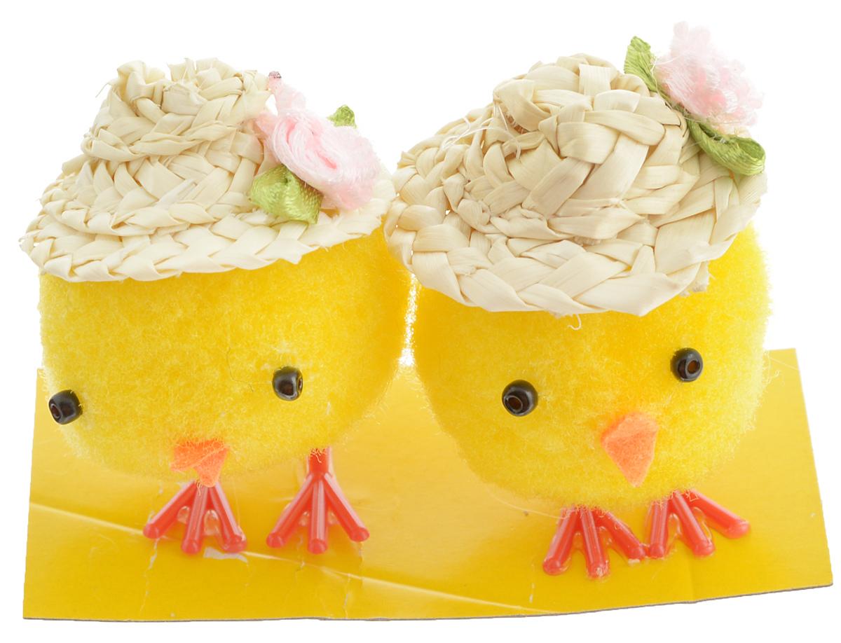 Украшение декоративное Home Queen Цыплята в шляпках, 2 шт69918Декоративное украшение Home Queen Цыплята в шляпках, выполненное из полиэстера, прекрасно дополнит интерьер дома к Пасхе. Украшение представляет собой двух забавных цыплят в соломенных шляпах. Изделие создаст теплую весеннюю атмосферу и поднимет настроение. Размер цыпленка: 3,5 х 3,5 х 5 см.