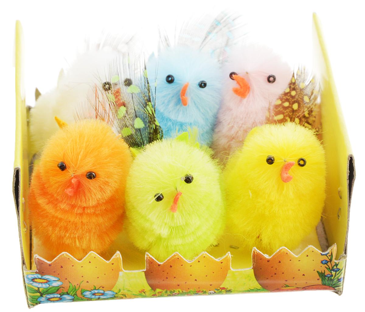 Украшение декоративное Home Queen Цветные цыплята, 6 шт64362Декоративные украшения Home Queen Цыплята, выполненные из пластика и полиэстера, прекрасно дополнят интерьер дома к Пасхе. Украшения представляют собой шесть забавных цыплят, украшенных перьями, разных цветов. Изделия создадут теплую весеннюю атмосферу и поднимут настроение. Размер цыпленка: 3 х 2,5 х 4 см.