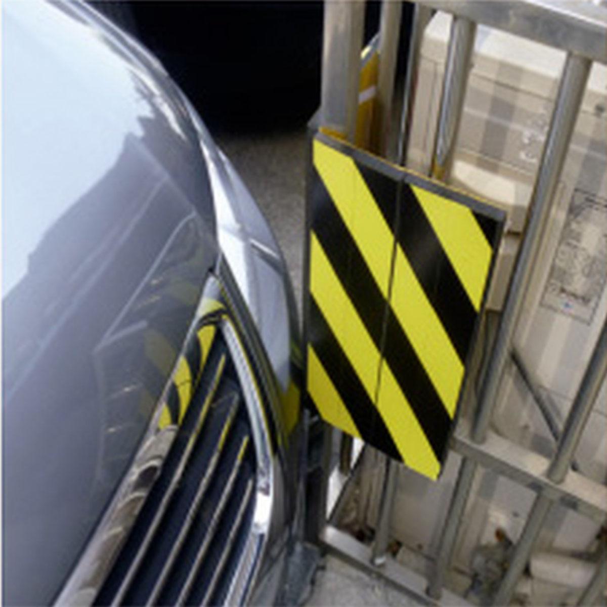 Защитный мат на самоклейке МастерПроф, с возможностью крепления на углах и колоннахАС.040003На стену, углы для защиты автомобиля при парковке. Материал: этиленвинилацетат. Защитит ваш автомобиль от царапин и сколов во время парковки. Идеальна для узких пространств и гаражей. Устанавливается на стену, колонны. Крепится на имеющийся самоклеющийся слой. Размеры: 33 x 20 x 1 см. Размеры упаковки: 38,5 x 22,5 x 2 см.