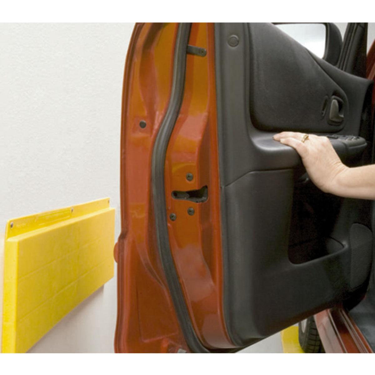Защитная планка на стену МастерПрофАС.040020Защитит двери вашего автомобиля от ударов о стену во время открывания. Идеальна для узких пространств и гаражей. Устанавливается на стену, крепится саморезами. Размеры: 66 x 16,5 x 1,5 см.