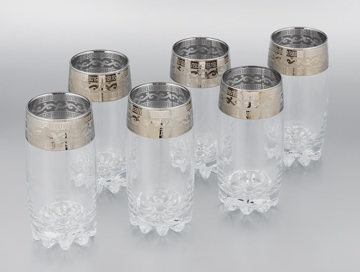 Набор стаканов Гусь-Хрустальный Версаче, 390 мл, 6 штGE08-812Набор Гусь-Хрустальный Версаче состоит из 6 высоких стаканов, изготовленных из высококачественного натрий-кальций-силикатного стекла. Изделия оформлены красивым зеркальным покрытием и широкой окантовкой с оригинальным узором. Стаканы предназначены для подачи сока, а также воды и коктейлей. Такой набор прекрасно дополнит праздничный стол и станет желанным подарком в любом доме. Разрешается мыть в посудомоечной машине. Диаметр стакана (по верхнему краю): 6 см. Высота стакана: 15 см.