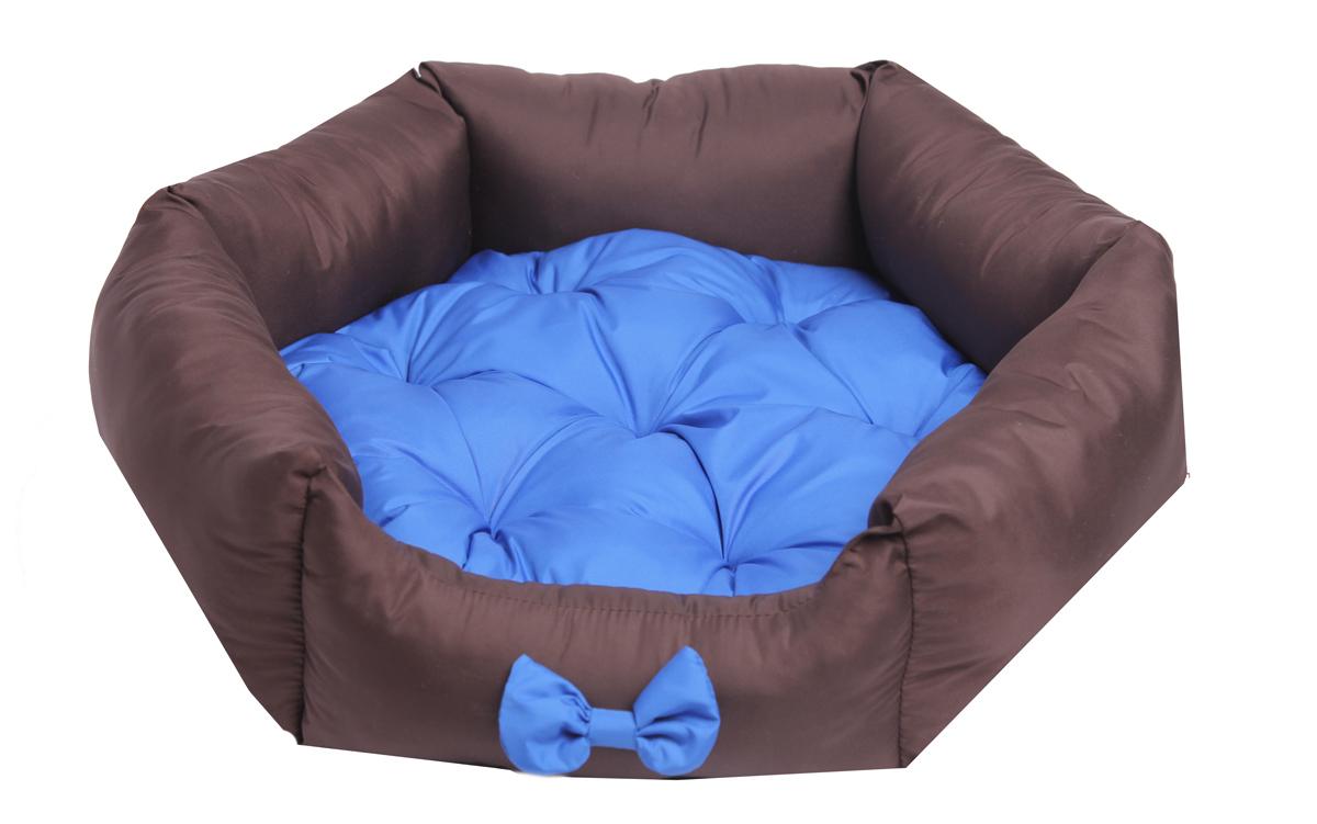 Лежанка для собак Lion Manufactory Комфорт, цвет: синий, размер M, 60 х 52 х 19 смLM4090-001mОсновные преимущества данной модели - это невысокая цена и материал, к которому не прилипает шерсть. Не боится воды. Рекомендации: стирка в деликатном режиме 30 градусов. Материал: синтепон, нейлон. Размер лежанки: 600х520х190 мм. Размер спального места: 550х490 мм.