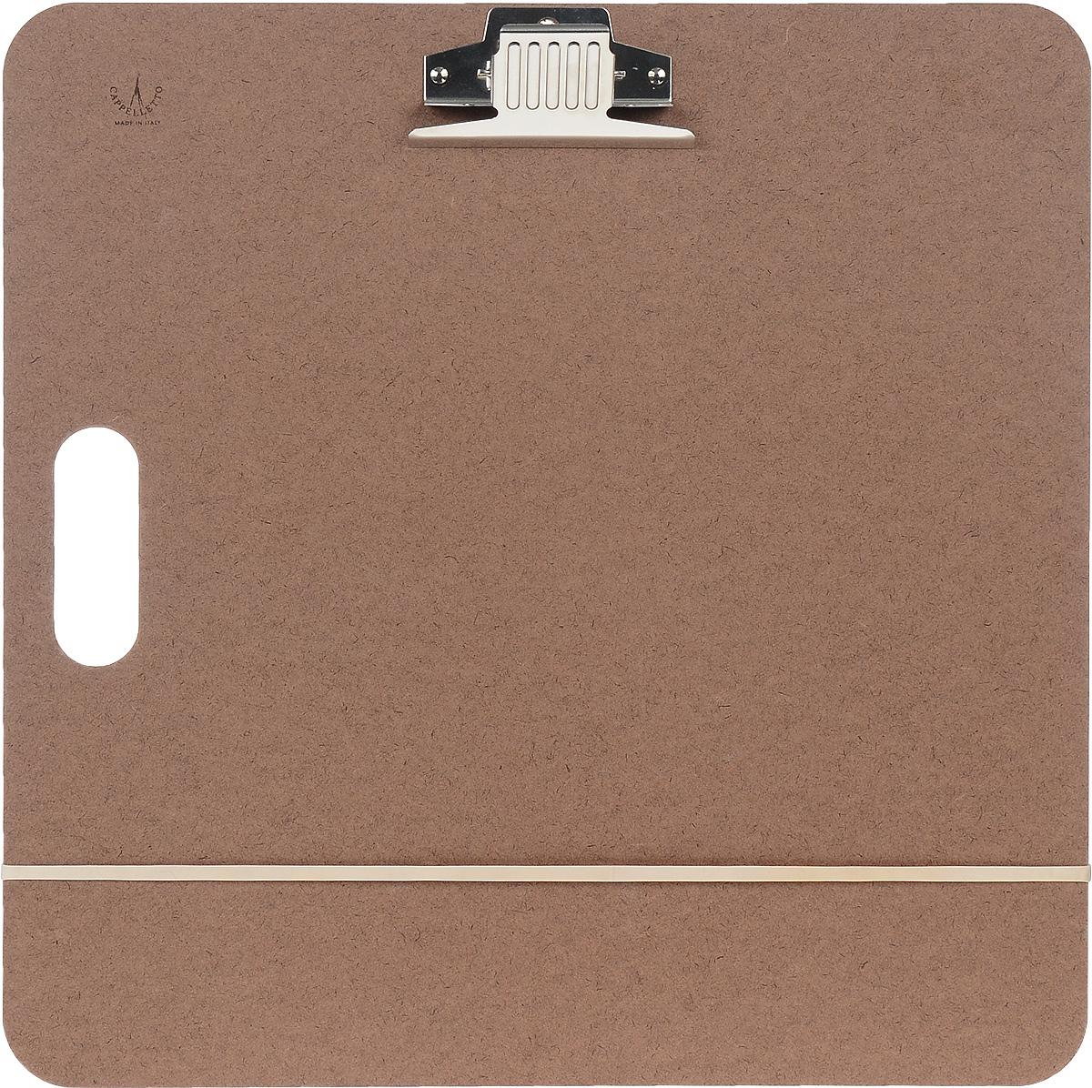 Планшет для живописи Cappelletto, 45 х 45 см. SB-1SB-1Прочный планшет Cappelletto, выполненный из оргалита, служит жесткой основой для работы на природе. В планшете имеется ручка для удобства при переноске в форме сдавленного овала. Для лучшей фиксации листа планшет снабжен металлическим зажимом.