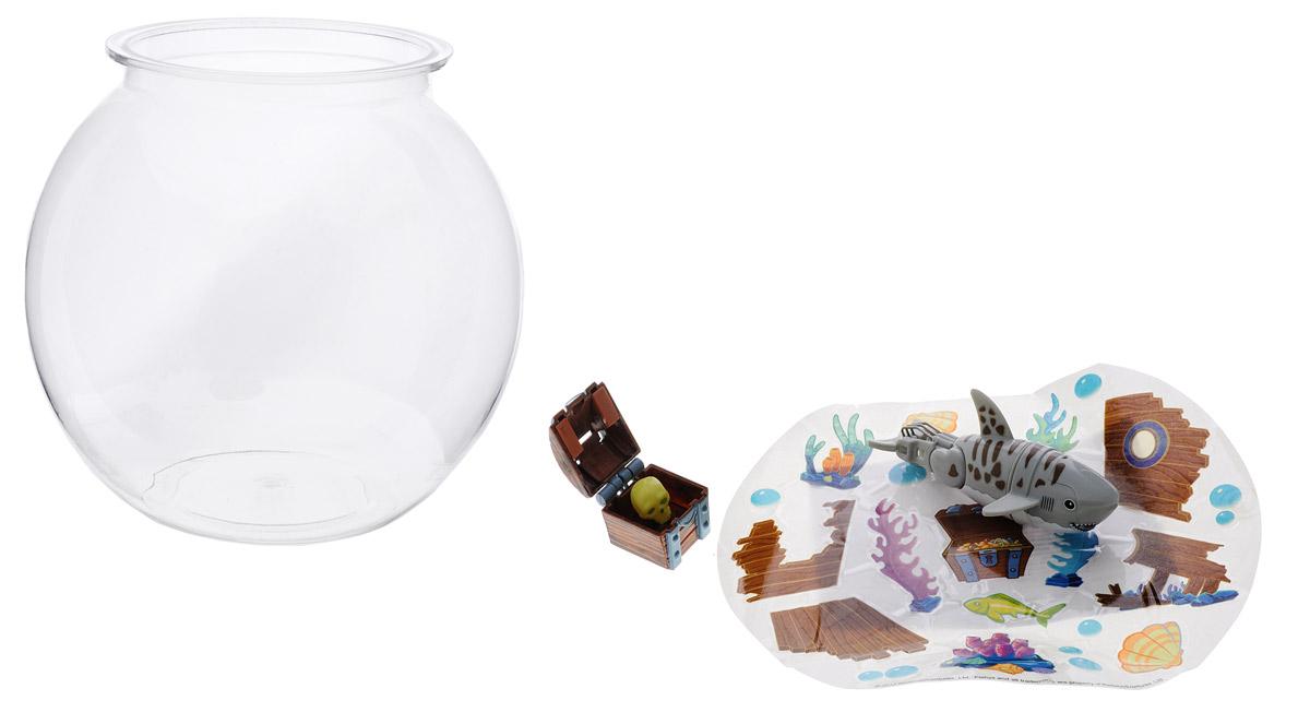 Redwood Интерактивная игрушка Акула-акробат с аквариумом126215-2Интерактивная игрушка Redwood Акула-акробат с аквариумом произведет большое впечатление на детей и их родителей. В набор входит небольшой прозрачный аквариум, который необходимо наполнить пятью литрами воды и фигурка интерактивной рыбки. В комплекте также имеется сундук с жемчужиной и разные украшения для аквариума, которые можно наклеить на свой вкус. Если акула коснется сундучка, то он тут же откроется. Акула умеет плавать под водой, нырять, выскакивать из воды и делать сальто на глубине. После окончания игры рекомендуется вынимать игрушку из воды. Акула-акробат работает от двух батареек типа ААА (в комплект не входят).