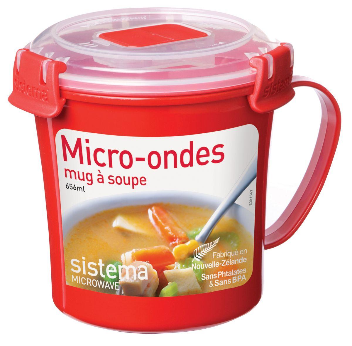 Кружка суповая Sistema Microwave, 656 мл1107Кружка суповая Sistema Microwave создана для людей ведущих активный образ жизни. Кружка, с надежной защитой от протечек, позволит взять с собой горячий суп на пикник, в офис или в поездку. На крышке имеется силиконовая прокладка, который способствует герметичному закрыванию. Контейнер надежно закрывается клипсами, которые при необходимости можно заменить. Можно мыть в посудомоечной машине.