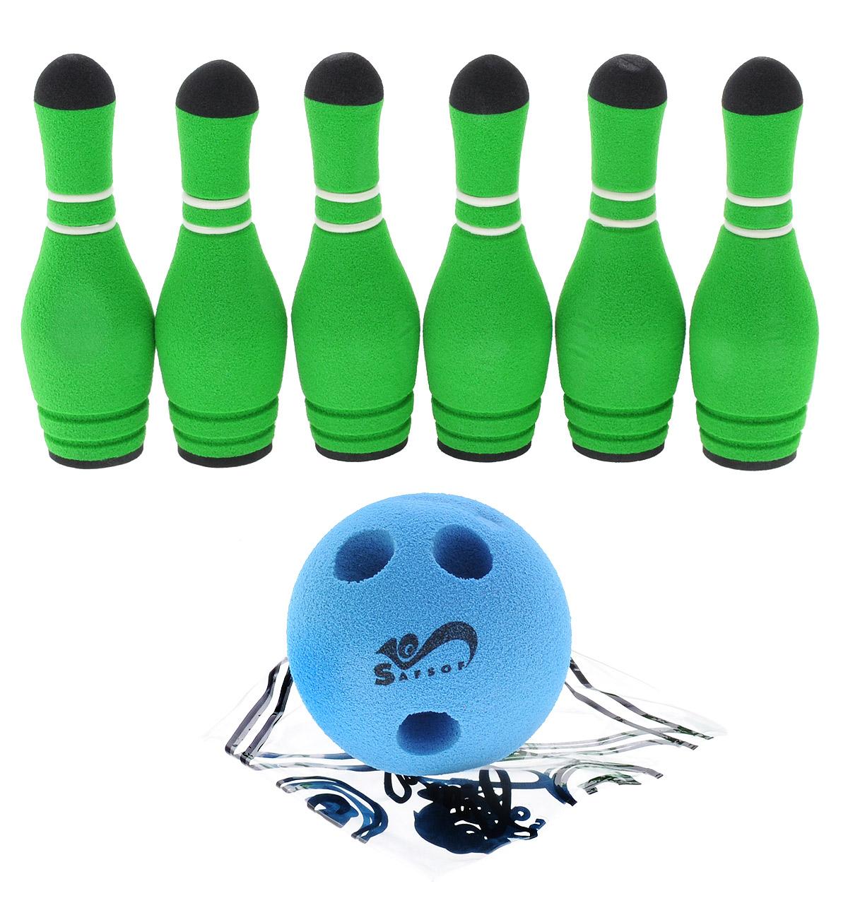 Safsof Игровой набор Мини-боулинг цвет голубой зеленыйMBB-05(B)_голубой,зеленыйИгровой набор Safsof Мини-боулинг, изготовленный из вспененной резины и полимерных материалов, состоит из шести кеглей и шара. Набор очень мягкий, что обеспечивает безопасность ребенку. Суть игры в боулинг - сбить шаром максимальное количество кеглей. Число игроков и количество туров - произвольное. Очки, набранные с каждым броском мяча, рассматриваются как количество сбитых кеглей. Расстояние, с которого совершается бросок, определяется игроками. Каждый игрок имеет право на два броска в одной рамке (рамка - треугольник, на поле которого выстраиваются кегли перед каждым первым броском очередного игрока). Бросок, при котором все кегли сбиты, называется страйк. Если все кегли сбиты первым броском, второй бросок не требуется: рамка считается закрытой. Призовые очки за страйк - это сумма кеглей, сбитых игроком следующими двумя бросками. Выигрывает тот игрок, который в сумме набирает больше очков.