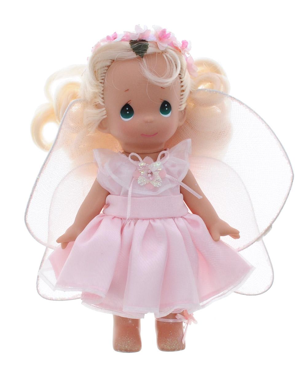 Precious Moments Мини-кукла Фея Роза2203Какие же милые эти куколки Precious Moments. Создатель этих очаровательных крошек настоящая волшебница - Линда Рик - оживила свои творения, каждая кукла обрела свой милый и неповторимый образ. Эти крошки могут сопровождать вас в чудесных странствиях и сделать каждый момент вашей жизни незабываемым! Обворожительная мини-кукла Фея Роза станет отличным подарком для любой девочки на день рождения или другой праздник. Куколка одета в шикарное розовое платье, за спиной у нее - большие полупрозрачные крылья. На милом личике большие зеленые глаза. Благодаря играм с куклой, ваша малышка сможет развить фантазию и любознательность, овладеть навыками общения и научиться ответственности. Порадуйте свою принцессу таким прекрасным подарком!
