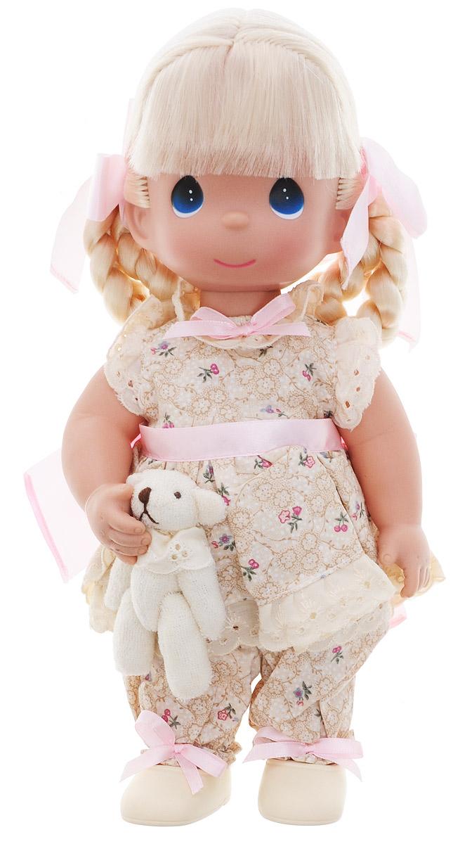 Precious Moments Кукла Всегда на моей стороне4737Коллекция кукол Precious Moments ростом выше 30 см насчитывает на сегодняшний день более 600 видов. Куклы изготавливаются из качественного, безопасного материала и имеют пять базовых точек артикуляции. Каждый год в коллекцию добавляются все новые и новые модели. Каждая кукла имеет свой неповторимый образ и характер. Она может быть подарком на память о каком-либо событии в жизни. Куклы выполнены с любовью и нежностью, которую дарит нам известная волшебница - создатель кукол Линда Рик! Кукла Всегда на моей стороне одета в костюм бежевого цвета, украшенный розовыми бантиками. На ногах у куклы бежевые туфли. Вся одежда съемная. Светлые волосы девочки заплетены в косички и оформлены атласными ленточками. У куклы большие глаза синего цвета. В руках она держит плюшевого медвежонка. Игра с куклой разовьет в вашей малышке чувство ответственности и заботы. Порадуйте свою принцессу таким великолепным подарком!