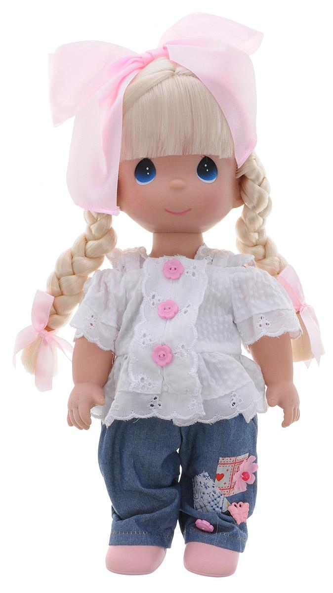 Precious Moments Кукла Милашка4719Коллекция кукол Precious Moments ростом выше 30 см насчитывает на сегодняшний день более 600 видов. Куклы изготавливаются из качественного, безопасного материала и имеют пять базовых точек артикуляции. Каждый год в коллекцию добавляются все новые и новые модели. Каждая кукла имеет свой неповторимый образ и характер. Она может быть подарком на память о каком-либо событии в жизни. Куклы выполнены с любовью и нежностью, которую дарит нам известная волшебница - создатель кукол Линда Рик! Кукла Милашка одета в синие джинсы и белую рубашку. На ногах куклы - розовые туфли. Вся одежда у куклы съемная. Светлые волосы девочки, заплетенные в две косички, украшены розовыми бантиками. У Милашки большие синие глаза. Игра с куклой разовьет в вашей малышке чувство ответственности и заботы. Порадуйте свою принцессу таким великолепным подарком!