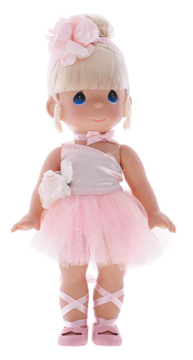Precious Moments Кукла Балерина цвет волос светлый4708Коллекция кукол Precious Moments ростом выше 30 см насчитывает на сегодняшний день более 600 видов. Куклы изготавливаются из качественного, безопасного материала и имеют пять базовых точек артикуляции. Каждый год в коллекцию добавляются все новые и новые модели. Каждая кукла имеет свой неповторимый образ и характер. Она может быть подарком на память о каком-либо событии в жизни. Куклы выполнены с любовью и нежностью, которую дарит нам известная волшебница - создатель кукол Линда Рик! Кукла Балерина одета в розовое платье, украшенное розочкой. На ногах балерины - розовые пуанты. Волосы убраны в аккуратную прическу и оформлены атласной ленточкой с цветком. Вся одежда у куклы съемная. У девочки большие глаза синего цвета. Игра с куклой разовьет в вашей малышке чувство ответственности и заботы. Порадуйте свою принцессу таким великолепным подарком!