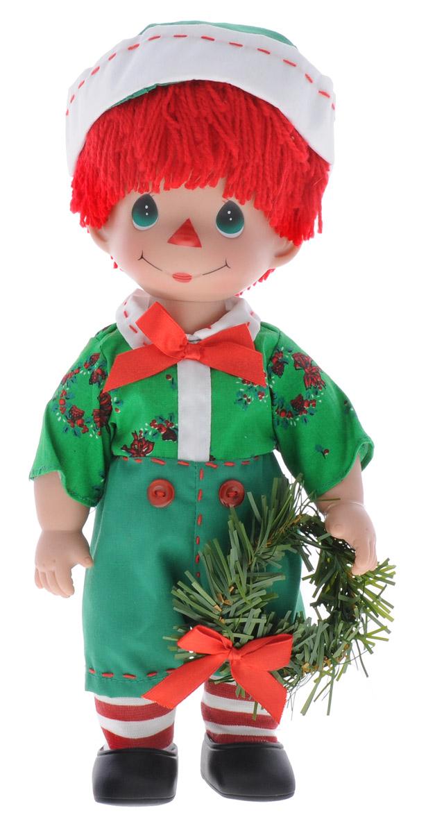 Precious Moments Кукла Прошедшие желания Мальчик4722Коллекция кукол Precious Moments ростом выше 30 см насчитывает на сегодняшний день более 600 видов. Куклы изготавливаются из качественного, безопасного материала и имеют пять базовых точек артикуляции. Каждый год в коллекцию добавляются все новые и новые модели. Каждая кукла имеет свой неповторимый образ и характер. Она может быть подарком на память о каком- либо событии в жизни. Куклы выполнены с любовью и нежностью, которую дарит нам известная волшебница - создатель кукол Линда Рик! Кукла Прошедшие желания. Мальчик привлечет внимание вашей девочки и не позволит ей скучать. Мальчик одет в забавный костюм, шапочку, полосатые гольфы, а на ногах - черные ботиночки. Очаровательные волосы красного цвета, сплетенные из нитей, дополняют прекрасный образ куклы. Вся одежда съемная. Игра с куклой разовьет в вашей малышке чувство ответственности и заботы. Порадуйте свою принцессу таким великолепным подарком!