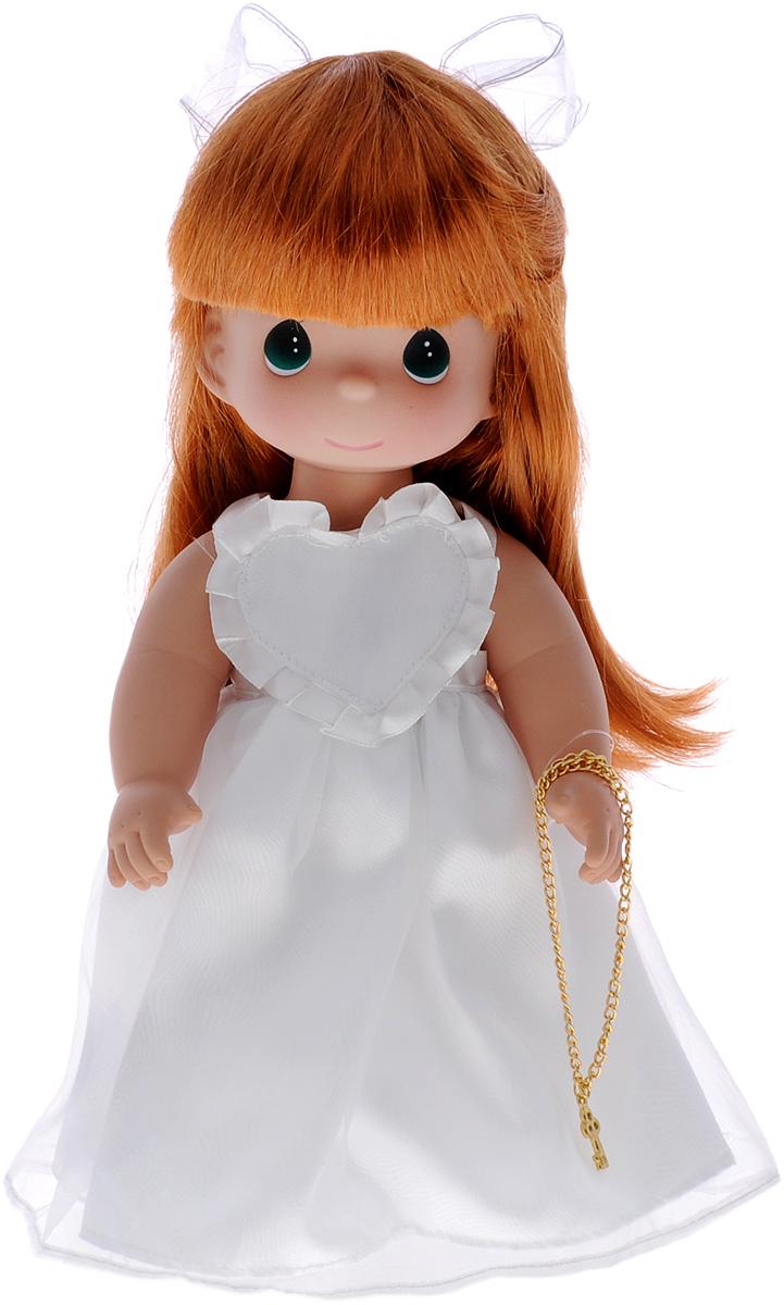 Precious Moments Кукла Ключ к моему сердцу цвет волос рыжий4736Коллекция кукол Precious Moments ростом выше 30 см насчитывает на сегодняшний день более 600 видов. Куклы изготавливаются из качественного, безопасного материала и имеют пять базовых точек артикуляции. Каждый год в коллекцию добавляются все новые и новые модели. Каждая кукла имеет свой неповторимый образ и характер. Она может быть подарком на память о каком- либо событии в жизни. Куклы выполнены с любовью и нежностью, которую дарит нам известная волшебница - создатель кукол Линда Рик! Милая кукла Ключ к моему сердцу очарует вас и вашу дочурку с первого взгляда! На кукле потрясающее платье с пышной юбкой, на ногах - панталоны, носочки и туфельки в тон платья. Длинные рыжие волосы украшены бантиком. На милом личике большие зеленые глаза. Одежда куклы съемная. В руке куколка держит ключик на цепочке. Игры с куклой способствуют эмоциональному развитию ребенка, а также помогают формировать воображение и художественный вкус. Ваша малышка будет в...