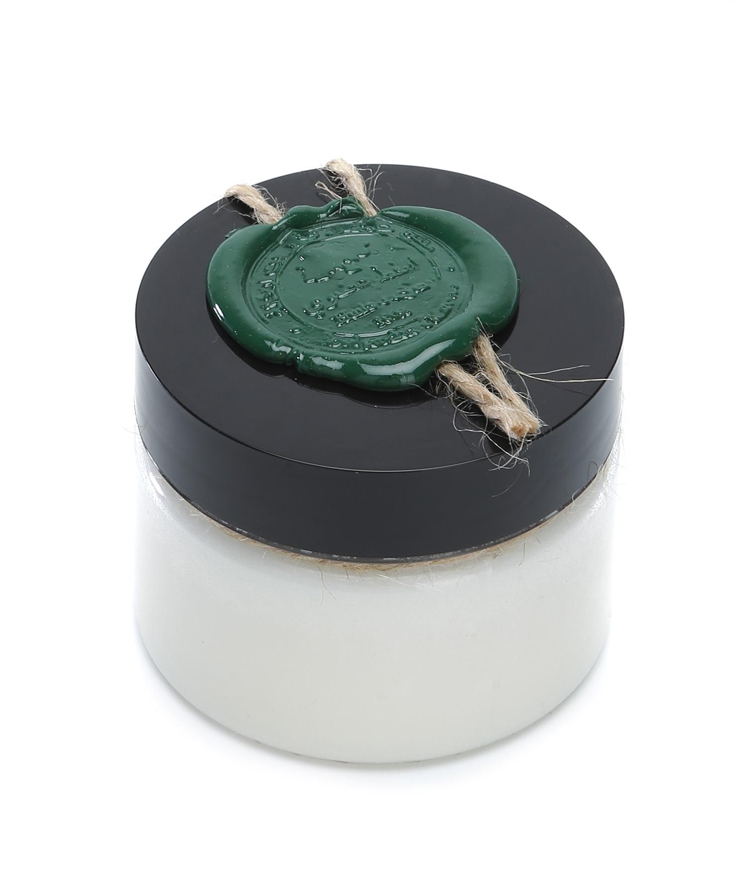 Huilargan Алоэ вера масло, 100% органическое, 100 г2000000009230Алоэ вера издревле известен своими бактерицидными, регенерирующими, увлажняющими и омолаживающими свойствами: ? хорошо увлажняет и помогает быстро устранить сухость кожи, вызванную экземой, псориазом, розацеей, солнечными ожогами, обветриванием; ? питает, смягчает, успокаивает кожу; ? освежает и омолаживает кожу; ? способствует заживлению и восстановлению кожного покрова; ? помогает при акне, ожогах, порезах, ссадинах; ? сглаживает неровности и повышает эластичность кожи; ? регенерирует; ? снимает зуд при укусах насекомых и аллергиях; ? устраняет проявления псориаза. Показания к применению: ? сухая, утомленная, не эластичная кожа; ? зрелая, возрастная кожа; ? поврежденная кожа. Применение: ? в чистом виде или в смеси с другими растительными и эфирным маслами; ? для ежедневного ухода за лицом и телом; ? в качестве хорошей основы для приготовления кремов, молочка, сливок, сывороток и других косметических средств; ?...