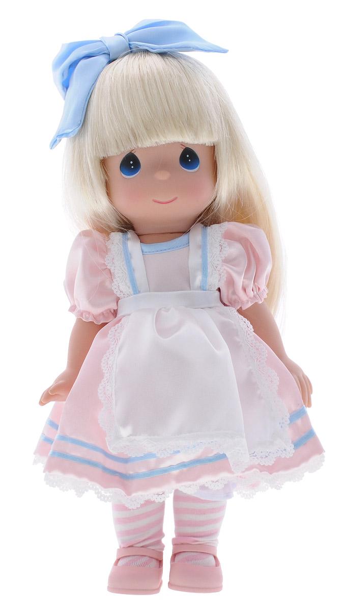 Precious Moments Кукла Алиса8379Коллекция кукол Precious Moments ростом выше 30 см насчитывает на сегодняшний день более 600 видов. Куклы изготавливаются из качественного, безопасного материала и имеют пять базовых точек артикуляции. Каждый год в коллекцию добавляются все новые и новые модели. Каждая кукла имеет свой неповторимый образ и характер. Она может быть подарком на память о каком-либо событии в жизни. Куклы выполнены с любовью и нежностью, которую дарит нам известная волшебница - создатель кукол Линда Рик! Кукла Алиса одета в розовое платье с белым передником. Под платьем надеты белые панталоны. На ногах Алисы - полосатые гольфы и розовые туфельки. Длинные светлые волосы украшает голубой атласный бант. Вся одежда у куклы съемная. У девочки большие глаза синего цвета. Игра с куклой разовьет в вашей малышке чувство ответственности и заботы. Порадуйте свою принцессу таким великолепным подарком!