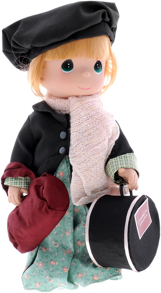 Precious Moments Кукла Путешественница Ирландия4776Коллекция кукол Precious Moments ростом выше 30 см насчитывает на сегодняшний день более 600 видов. Куклы изготавливаются из качественного, безопасного материала и имеют пять базовых точек артикуляции. Каждый год в коллекцию добавляются все новые и новые модели. Каждая кукла имеет свой неповторимый образ и характер. Она может быть подарком на память о каком-либо событии в жизни. Куклы выполнены с любовью и нежностью, которую дарит нам известная волшебница - создатель кукол Линда Рик! Коллекционная кукла Путешественница: Ирландия со светлыми волосами одета в зеленое платье с цветочным узором, черный пиджак на липучке, светло-розовый мягкий шарф с блестками. На голове - черный берет. У куклы милое личико с большими изумрудными глазами. Вся одежда съемная. В комплекте с куклой идет сумка, а также большой круглый чемодан. Вашей дочурке непременно понравится расчесывать волосы куклы, придумывая различные прически. Кукла научит ребенка взаимодействовать с окружающими, а...