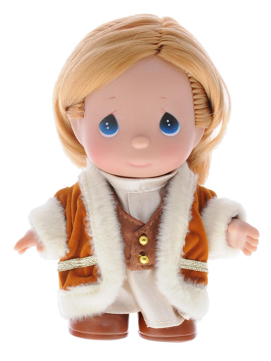 Precious Moments Мини-кукла Герда8413Какие же милые эти куколки Precious Moments. Создатель этих очаровательных крошек настоящая волшебница - Линда Рик - оживила свои творения, каждая кукла обрела свой милый и неповторимый образ. Эти крошки могут сопровождать вас в чудесных странствиях и сделать каждый момент вашей жизни незабываемым! Мини-кукла Герда одета в восхитительный наряд, который не перегружен деталями и декором. Выразительные черты лица куклы не оставят равнодушным ни одного малышку. Благодаря играм с куклой, ваша дочурка сможет развить фантазию и любознательность, овладеть навыками общения и научиться ответственности. Мини-кукла Гердастанет отличным подарком для любой девочки на день рождения или другой праздник.