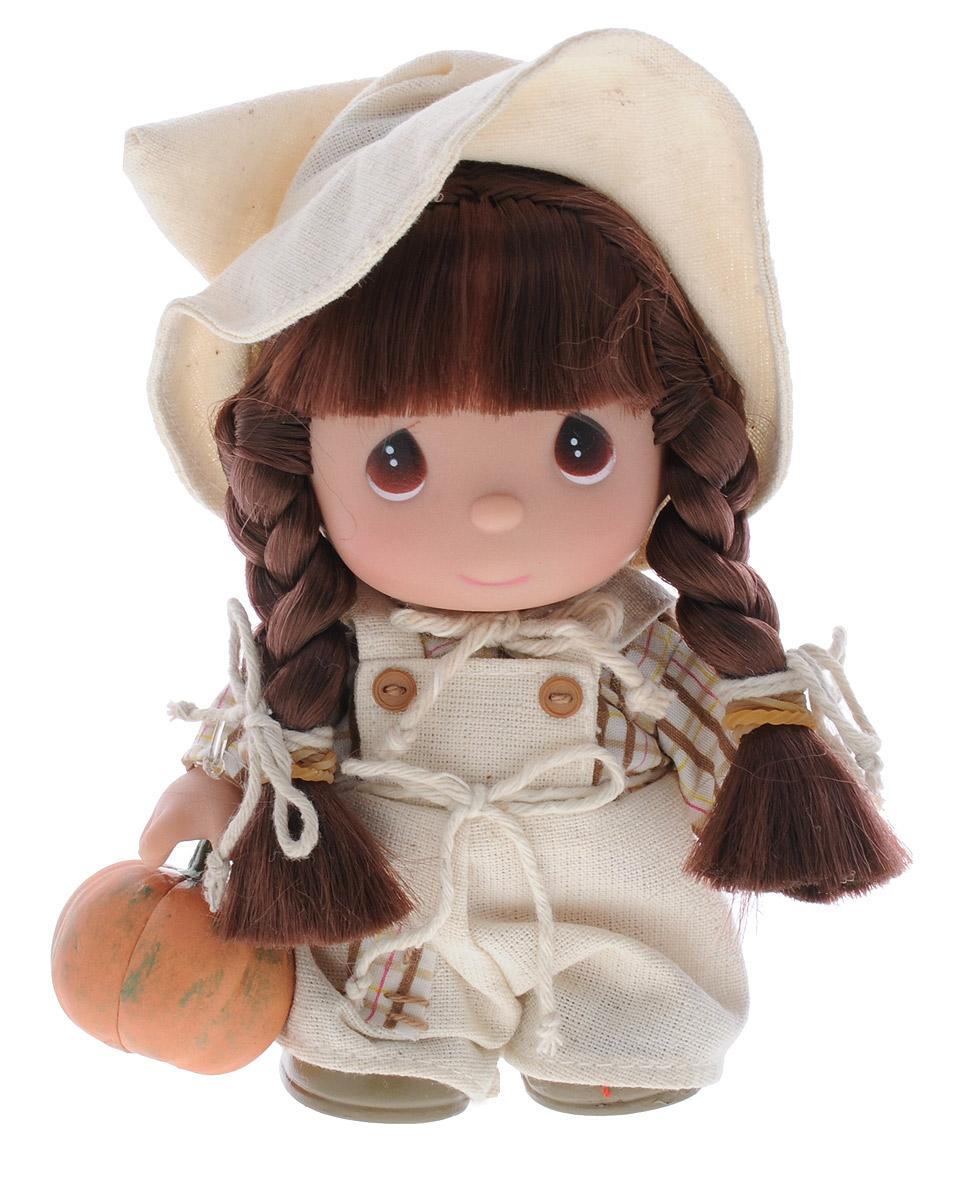 Precious Moments Мини-кукла Ноябрь5373Какие же милые эти куколки Precious Moments. Создатель этих очаровательных крошек настоящая волшебница - Линда Рик - оживила свои творения, каждая кукла обрела свой милый и неповторимый образ. Эти крошки могут сопровождать вас в чудесных странствиях и сделать каждый момент вашей жизни незабываемым! Мини-кукла Ноябрь одета в легкий светлый костюм и остроконечную шляпу. Волосы заплетены в две косички. На милом личике большие карие глаза. В руке куколка держит тыкву. Благодаря играм с куклой, ваша малышка сможет развить фантазию и любознательность, овладеть навыками общения и научиться ответственности.