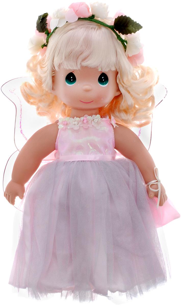 Precious Moments Кукла Волшебные сны4535Коллекция кукол Precious Moments ростом выше 30 см насчитывает на сегодняшний день более 600 видов. Куклы изготавливаются из качественного, безопасного материала и имеют пять базовых точек артикуляции. Каждый год в коллекцию добавляются все новые и новые модели. Каждая кукла имеет свой неповторимый образ и характер. Она может быть подарком на память о каком-либо событии в жизни. Куклы выполнены с любовью и нежностью, которую дарит нам известная волшебница - создатель кукол Линда Рик! Кукла Волшебные сны одета в длинное розовое платье с блестящими крыльями, которые с легкостью можно отстегнуть. Ее прическу украшает цветочный венок. Одежда у куклы съемная. У девочки вьющиеся светлые волосы и большие зеленые глаза. В руках она держит мешочек. Игра с куклой разовьет в вашей малышке чувство ответственности и заботы. Порадуйте свою принцессу таким великолепным подарком!