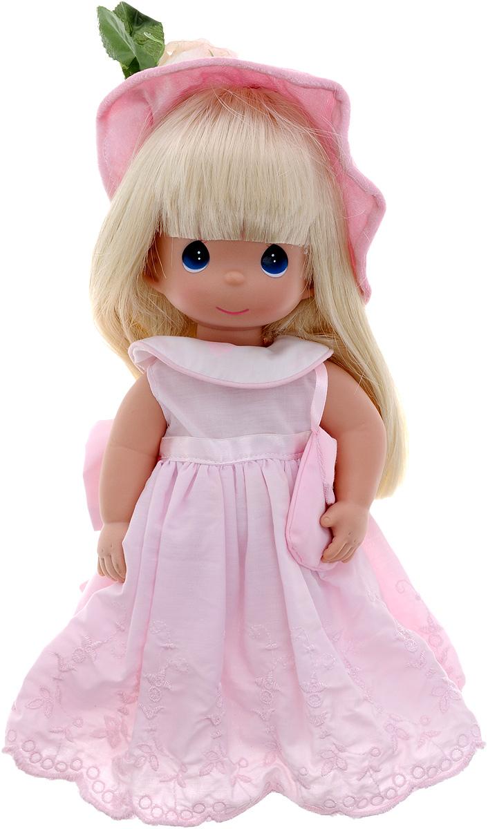 Precious Moments Кукла Цветок дружбы4598Коллекция кукол Precious Moments ростом выше 30 см насчитывает на сегодняшний день более 600 видов. Куклы изготавливаются из качественного, безопасного материала и имеют пять базовых точек артикуляции. Каждый год в коллекцию добавляются все новые и новые модели. Каждая кукла имеет свой неповторимый образ и характер. Она может быть подарком на память о каком-либо событии в жизни. Куклы выполнены с любовью и нежностью, которую дарит нам известная волшебница - создатель кукол Линда Рик! Кукла Цветок дружбы одета в розовое платье и розовые туфли. Романтичный образ дополняет розовая шляпка, украшенная белой розой. Вся одежда у куклы съемная. У девочки длинные светлые волосы и большие синие глаза. Игра с куклой разовьет в вашей малышке чувство ответственности и заботы. Порадуйте свою принцессу таким великолепным подарком!