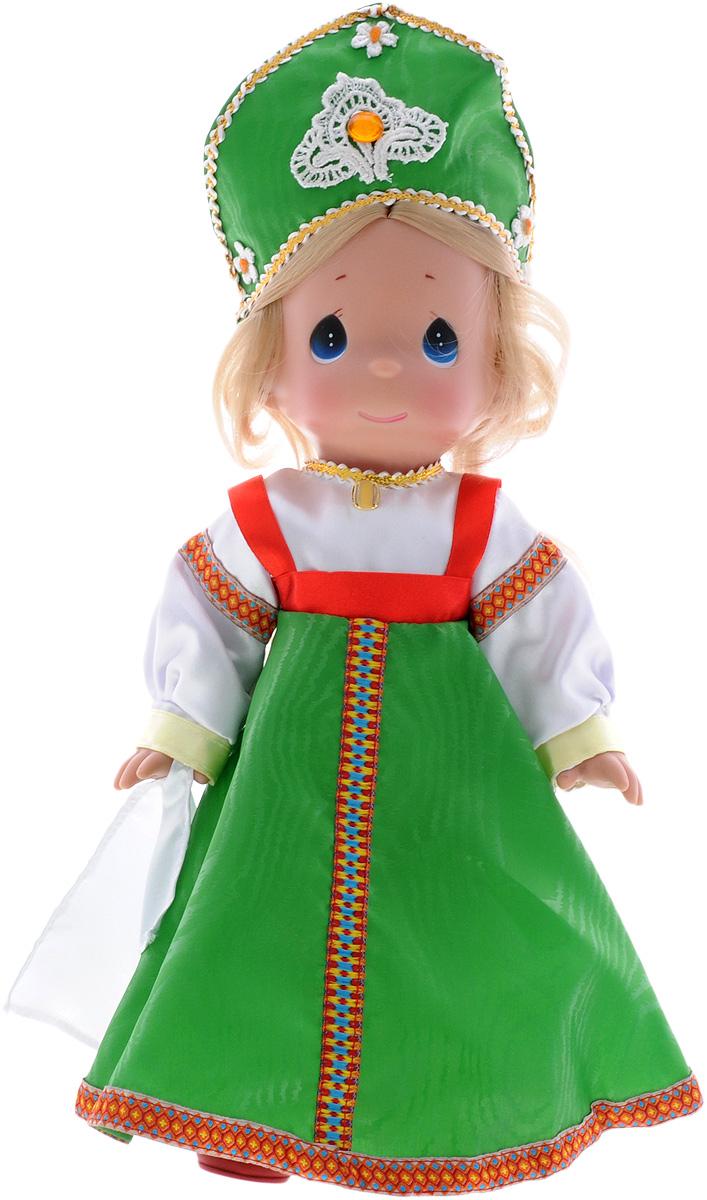 Precious Moments Кукла Варвара8407Коллекция кукол Precious Moments ростом выше 30 см насчитывает на сегодняшний день более 600 видов. Куклы изготавливаются из качественного, безопасного материала и имеют пять базовых точек артикуляции. Каждый год в коллекцию добавляются все новые и новые модели. Каждая кукла имеет свой неповторимый образ и характер. Она может быть подарком на память о каком- либо событии в жизни. Куклы выполнены с любовью и нежностью, которую дарит нам известная волшебница - создатель кукол Линда Рик! Кукла Варвара станет отличным подарком для любой девочки на день рождения или другой праздник. Кукла одета в русское народное платье, на ногах - красные туфли. В этом наряде соединились славянские традиции. Светлые волосы Варвары заплетены в косу и украшены атласным белым бантиком. На милом личике большие синие глаза. Одежда куклы съемная. Кукла научит ребенка взаимодействовать с окружающими, а также поспособствует развитию воображения, логики и тактильного...