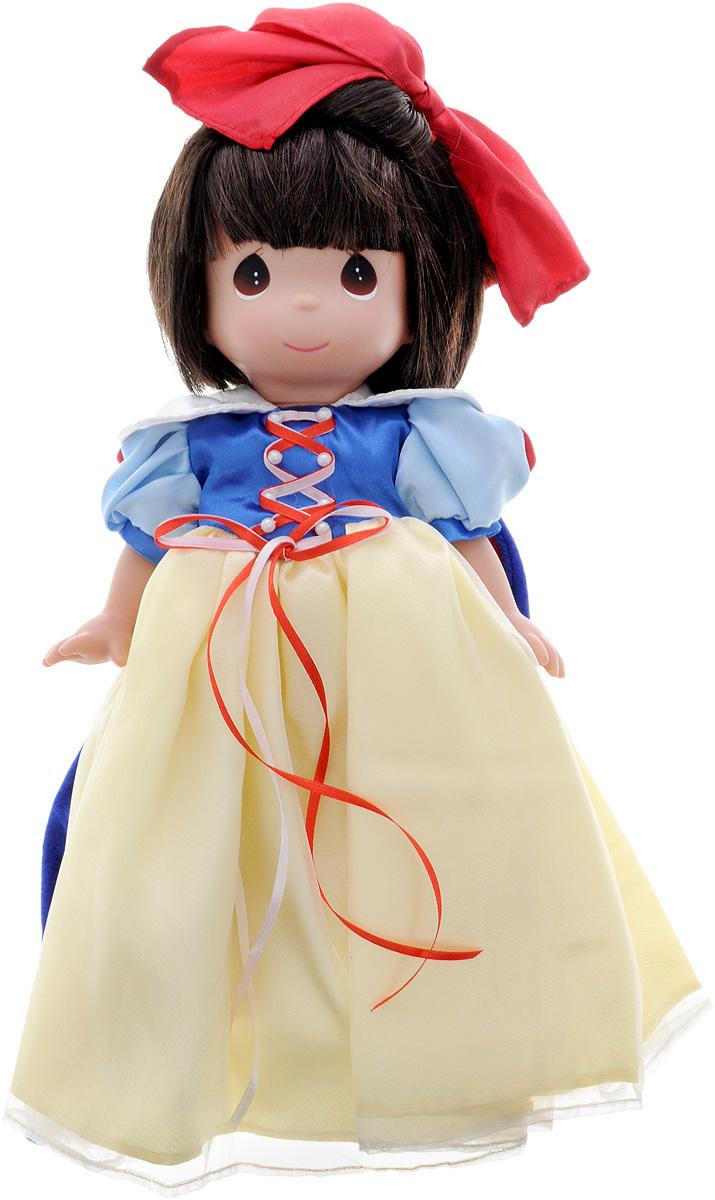 Precious Moments Кукла Белоснежка8383Коллекция кукол Precious Moments ростом выше 30 см насчитывает на сегодняшний день более 600 видов. Куклы изготавливаются из качественного, безопасного материала и имеют пять базовых точек артикуляции. Каждый год в коллекцию добавляются все новые и новые модели. Каждая кукла имеет свой неповторимый образ и характер. Она может быть подарком на память о каком- либо событии в жизни. Куклы выполнены с любовью и нежностью, которую дарит нам известная волшебница - создатель кукол Линда Рик! Кукла Белоснежка станет отличным подарком для любой девочки на день рождения или другой праздник. Кукла одета в платье сине-желтого цвета, а поверх - теплую синюю накидку. Волосы у куколки темные, украшены красным бантом. У девочки большие карие глаза. Одежда куколки съемная. Кукла научит ребенка взаимодействовать с окружающими, а также поспособствует развитию воображения, логики и тактильного восприятия.