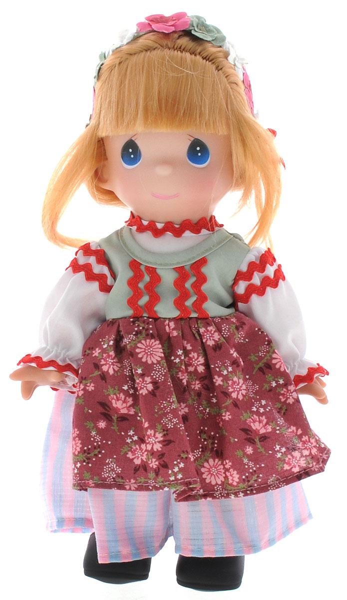 Precious Moments Кукла Пелагия Польша3491Коллекция кукол Precious Moments насчитывает на сегодняшний день более 600 видов. Куклы изготавливаются из качественного, безопасного материала и имеют пять базовых точек артикуляции. Каждый год в коллекцию добавляются все новые и новые модели. Каждая кукла имеет свой неповторимый образ и характер. Она может быть подарком на память о каком-либо событии в жизни. Куклы выполнены с любовью и нежностью, которую дарит нам известная волшебница - создатель кукол Линда Рик! Коллекционная кукла Пелагия (Польша) со светлыми волосами одета в национальное польское платье с цветочным узором. Волосы, собранные в косу, украшены текстильными цветами и бантиками. У куклы милое личико с большими голубыми глазами. Вся одежда съемная. Вашей дочурке непременно понравится расчесывать волосы куклы, придумывая различные прически. Кукла научит ребенка взаимодействовать с окружающими, а также поспособствует развитию воображения, логики и тактильного восприятия. Кукла станет отличным...