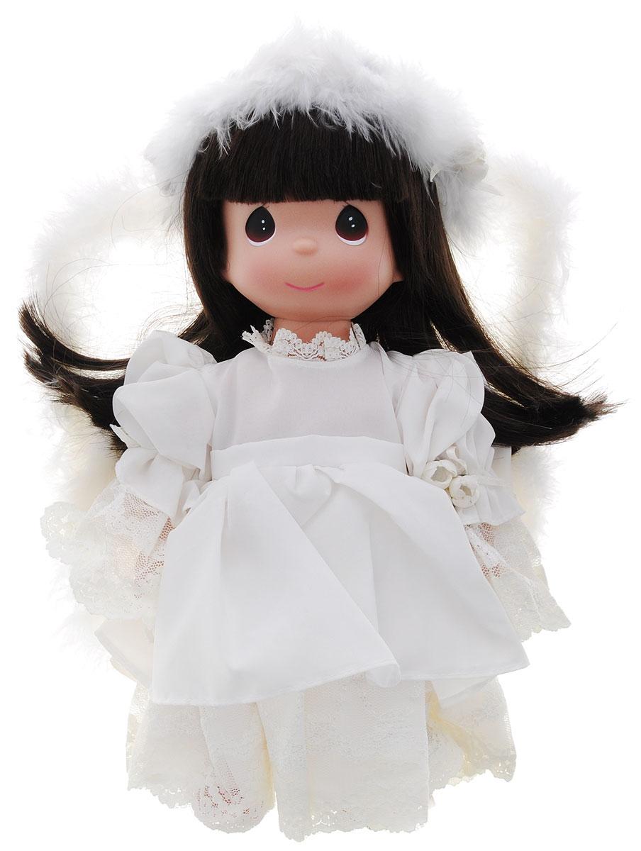 Precious Moments Кукла Неземная красота брюнетка4703Коллекция кукол Precious Moments ростом выше 30 см насчитывает на сегодняшний день более 600 видов. Куклы изготавливаются из качественного, безопасного материала и имеют пять базовых точек артикуляции. Каждый год в коллекцию добавляются все новые и новые модели. Каждая кукла имеет свой неповторимый образ и характер. Она может быть подарком на память о каком-либо событии в жизни. Куклы выполнены с любовью и нежностью, которую дарит нам известная волшебница - создатель кукол Линда Рик! Коллекционная кукла Неземная красота с темными волосами одета в шикарное платье, оформленное кружевами. За спиной у куколки - большие полупрозрачные крылья с перьями, которые с легкостью можно отстегнуть. У куклы милое личико с большими карими глазами. На голове - белоснежный обруч из перьев. Вся одежда съемная. Вашей дочурке непременно понравится расчесывать волосы куклы, придумывая различные прически. Кукла научит ребенка взаимодействовать с окружающими, а также поспособствует развитию...