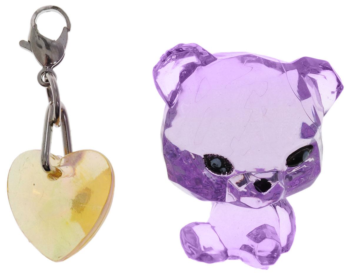 Crystal Surprise Фигурка Панда Twinkles цвет фиолетовый45706_фиолетовыйСамые искристые, самые сияющие малютки-зверюшки собрались здесь, чтобы принести вам удачу! Когда на небе встает солнце вдогонку тающей луне, появляются зверьки Crystal Surprise. Возьмите их в руку - и почувствуете, как они приносят удачу. У каждого зверька Crystal Surprise есть свое предназначение, каждый из них станет вашим талисманом. Носите, дарите их. Соберите их всех, чтобы умножить их магические способности! Предназначение фигурки Crystal Surprise Панда Twinkles - мир. Благодаря этой панде вокруг вас всегда будет мир, а вы будете повсюду нести за собой веселье. Девиз талисмана: Я мир приношу, я от счастья сияю, и радостным светом ваш путь озаряю! В набор также входит подвеска на удачу!